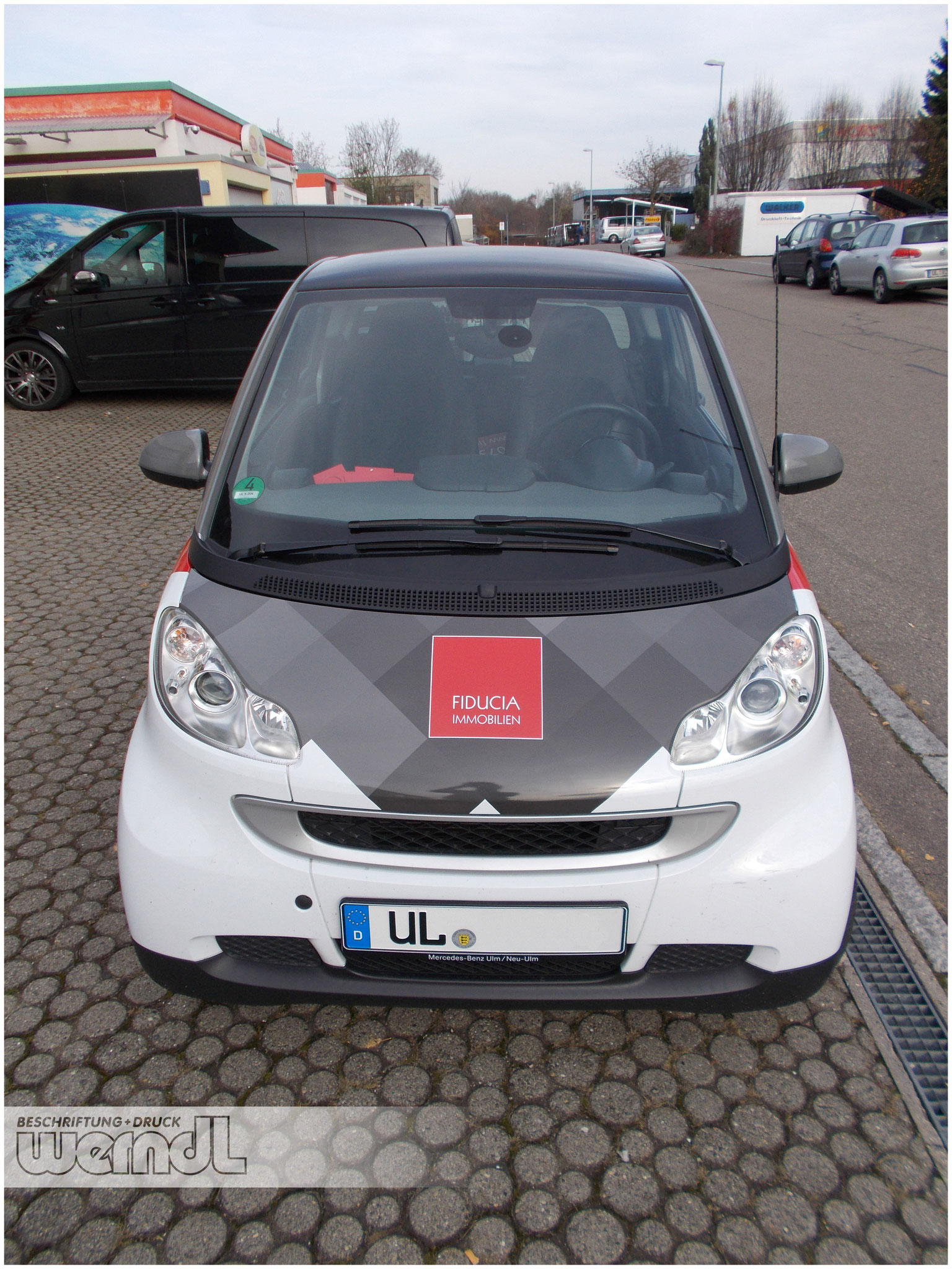 Fahrzeugvollverklebung Smart
