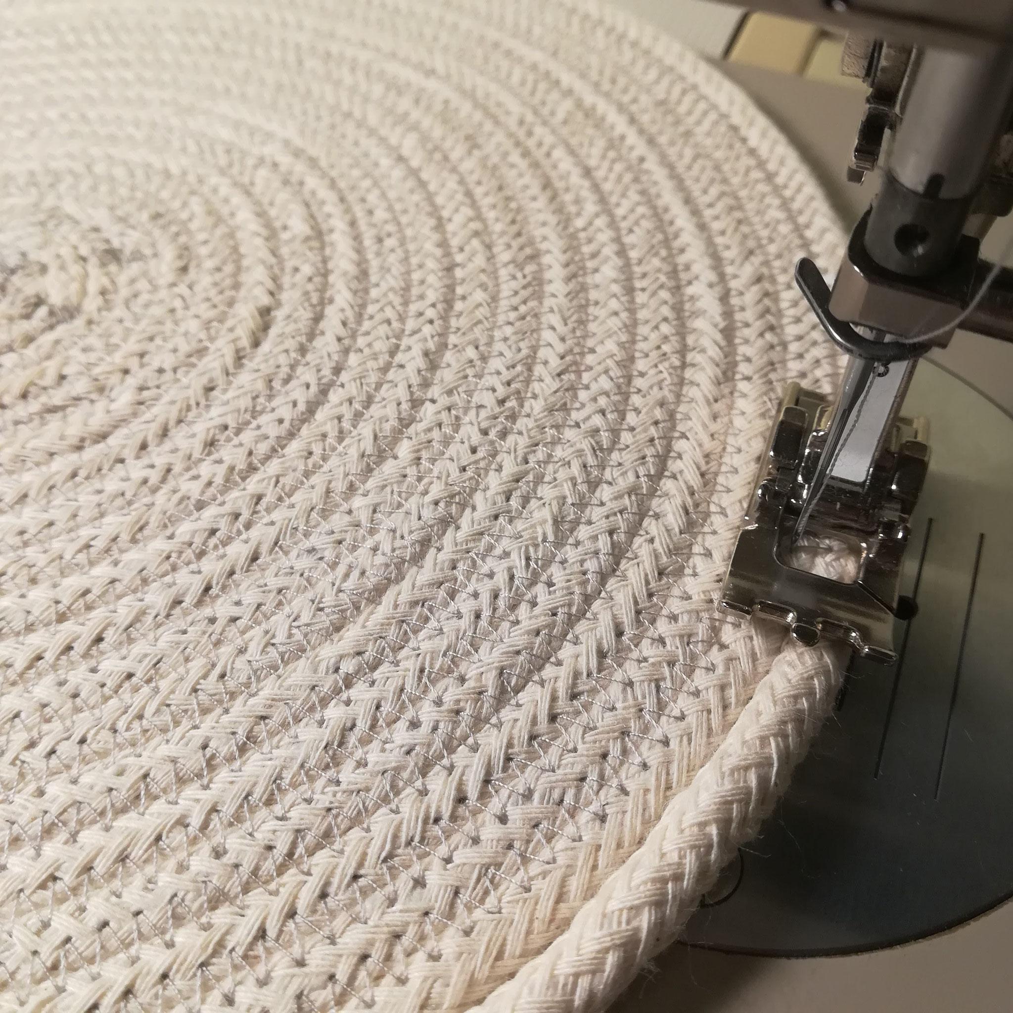 La forme de votre bol sera donnée par l'angle que vous lui imprimerais durant la couture.