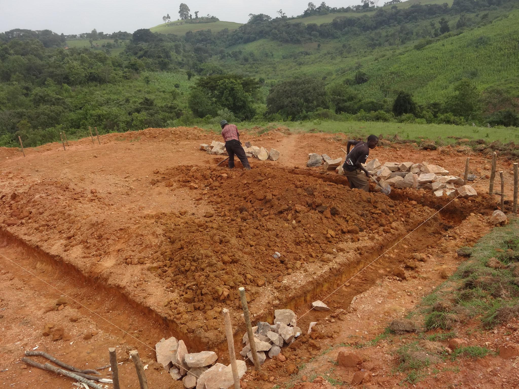 Die Fundamentarbeiten beginnen
