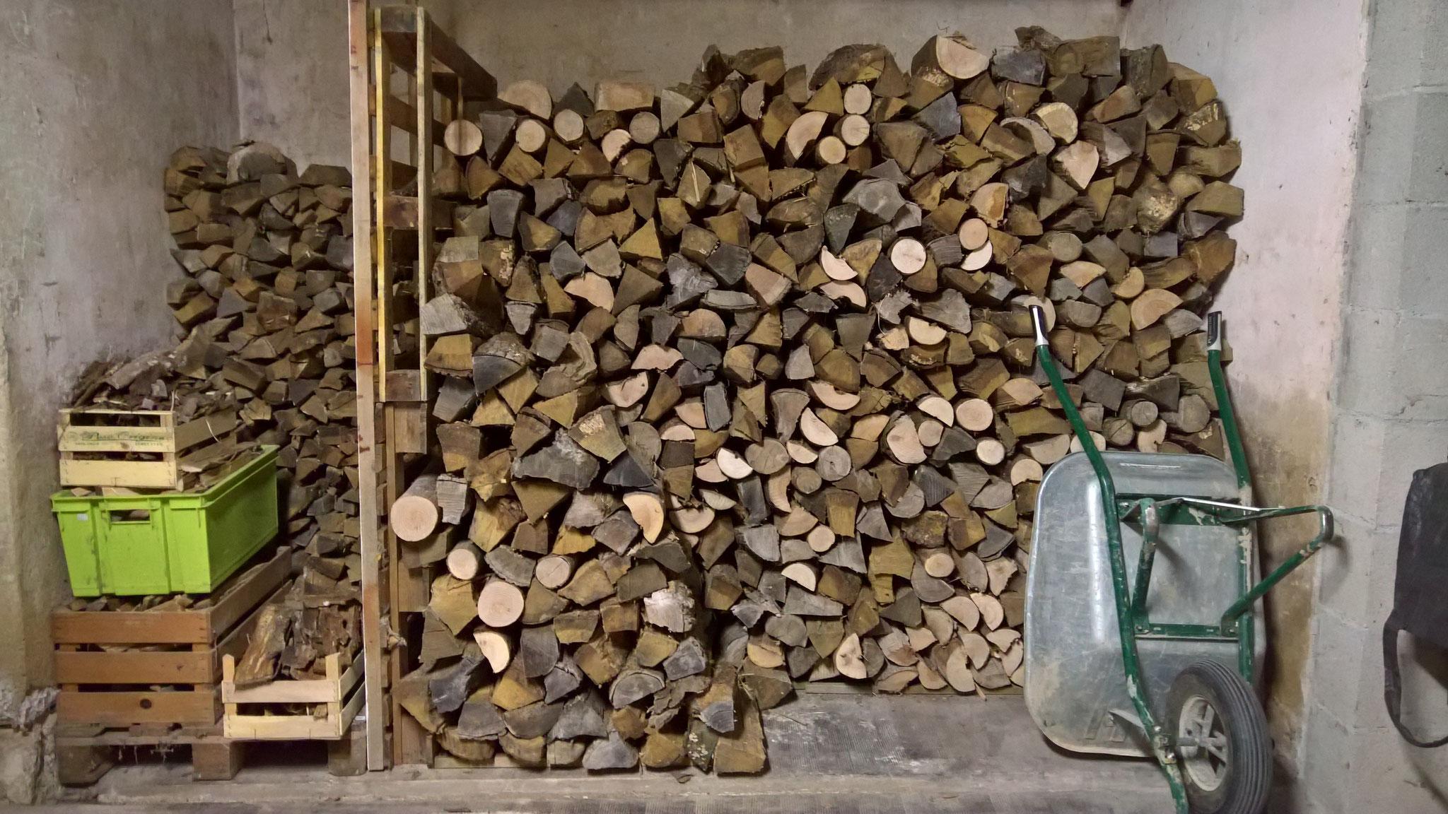 Das ganze Winterholz ist nun wieder verräumt