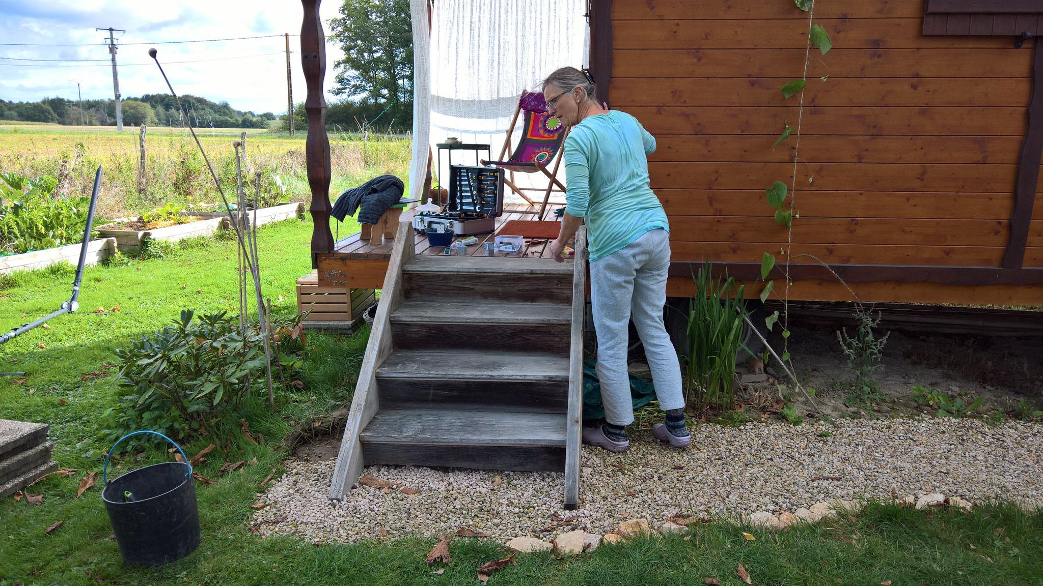 Die Schweizer Treppe kommt an die Roulotte von Annette
