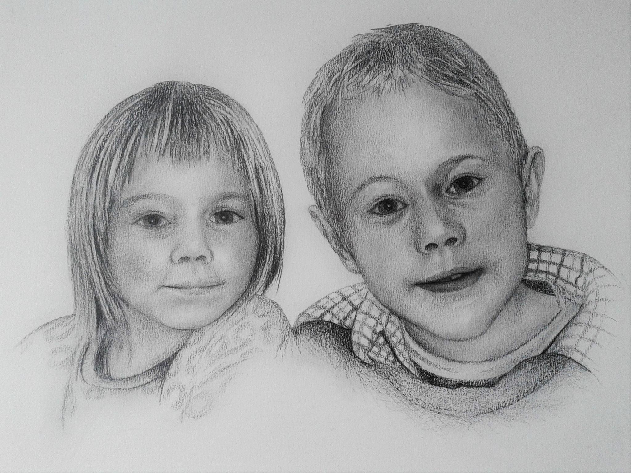 Geschwisterpaar -  Bleistift und Kohle