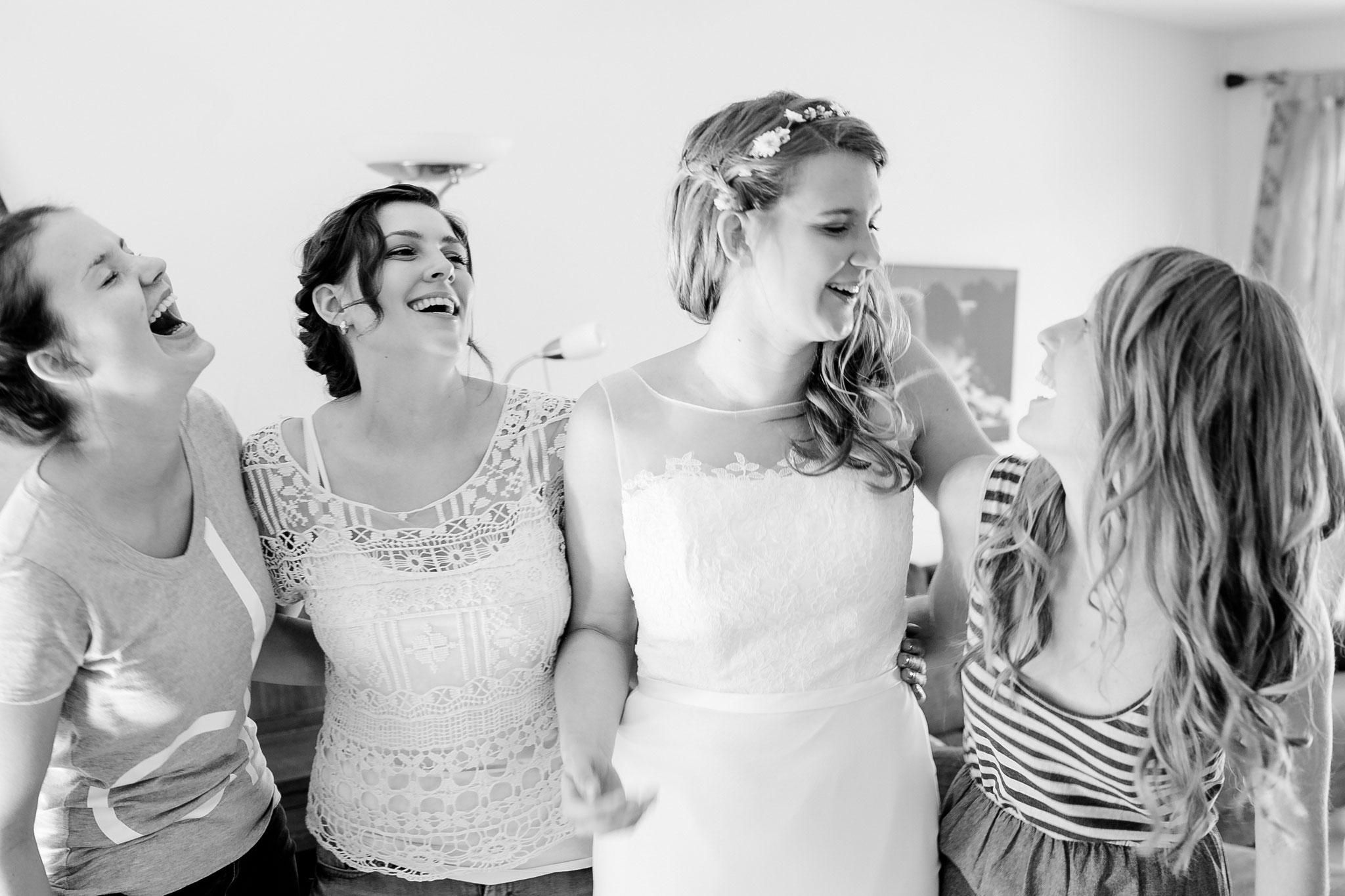 Hochzeitsfotografin Rebecca Adloff Ruhrgebiet, Münster, Essen, Düsseldorf, NRW, Oberhausen |Hochzeitsreportage |Hochzeitsfotos | Paarshooting |Blumenkranz | Getting Ready