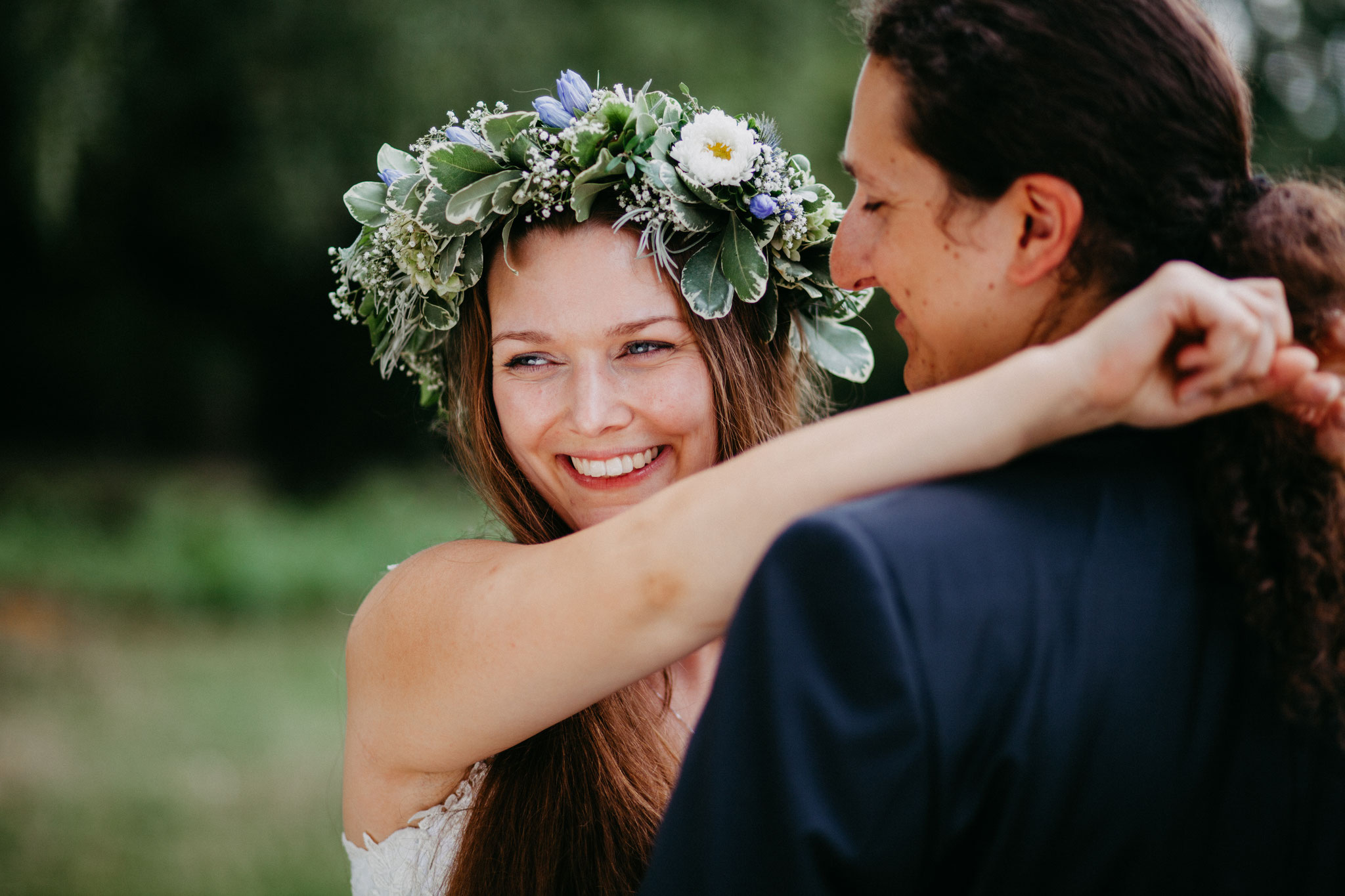 Hochzeitsfotografin Rebecca Adloff Ruhrgebiet, Essen, Düsseldorf, NRW, Oberhausen |Hochzeitsreportage |Hochzeitsfotos | Paarshooting |Blumenkranz | Mittelalterhochzeit
