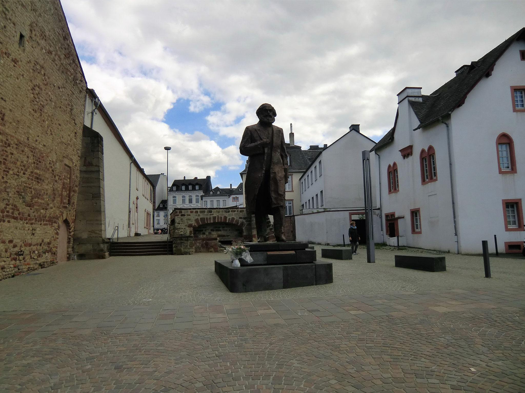 Was macht Karl Marx in Trier?