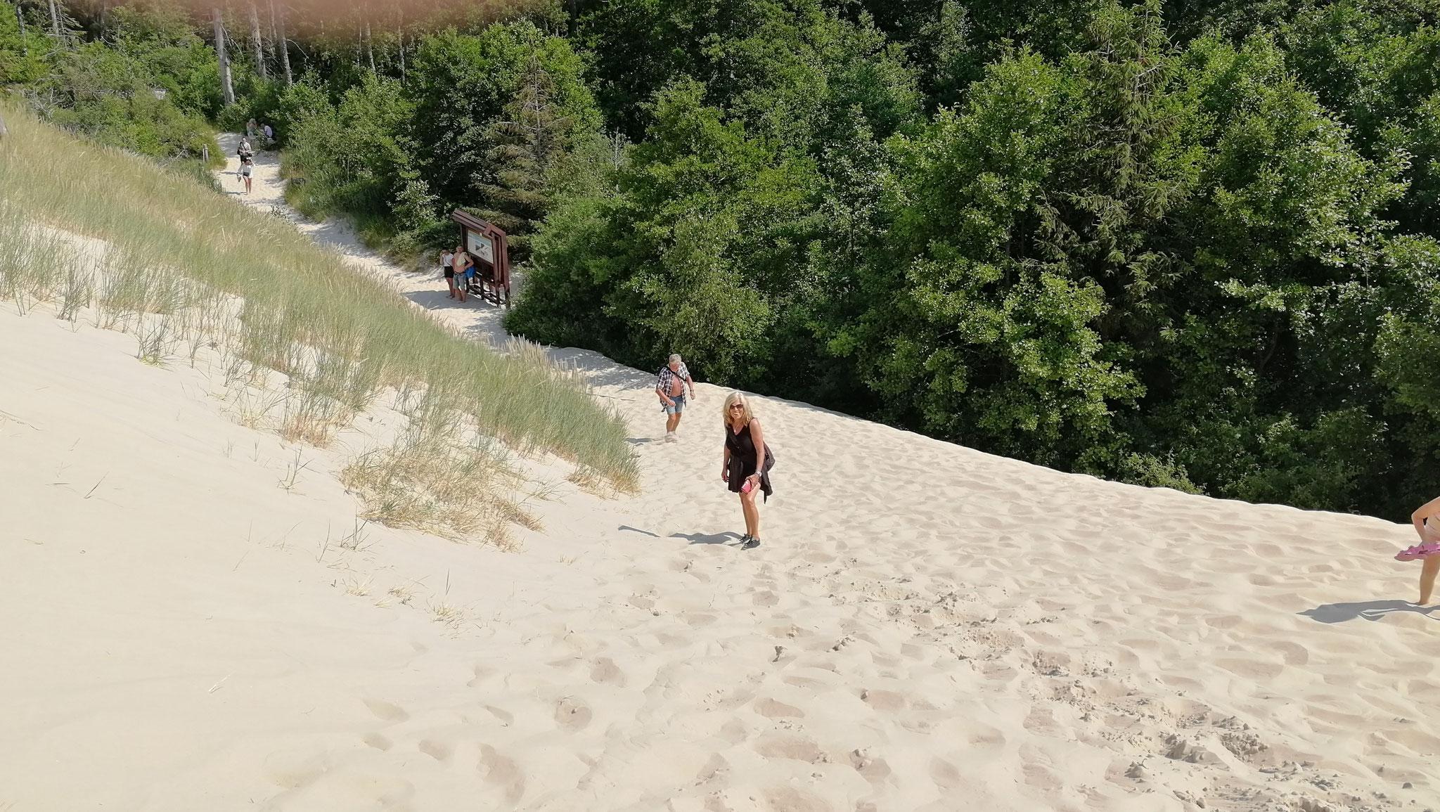 ganz schön steil im weichen Sand