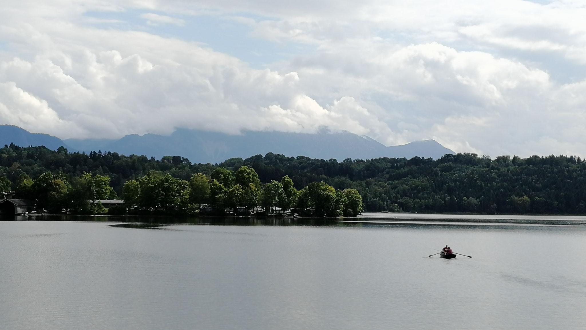 Blick zu unserem Campingplatz vom Schiff aus