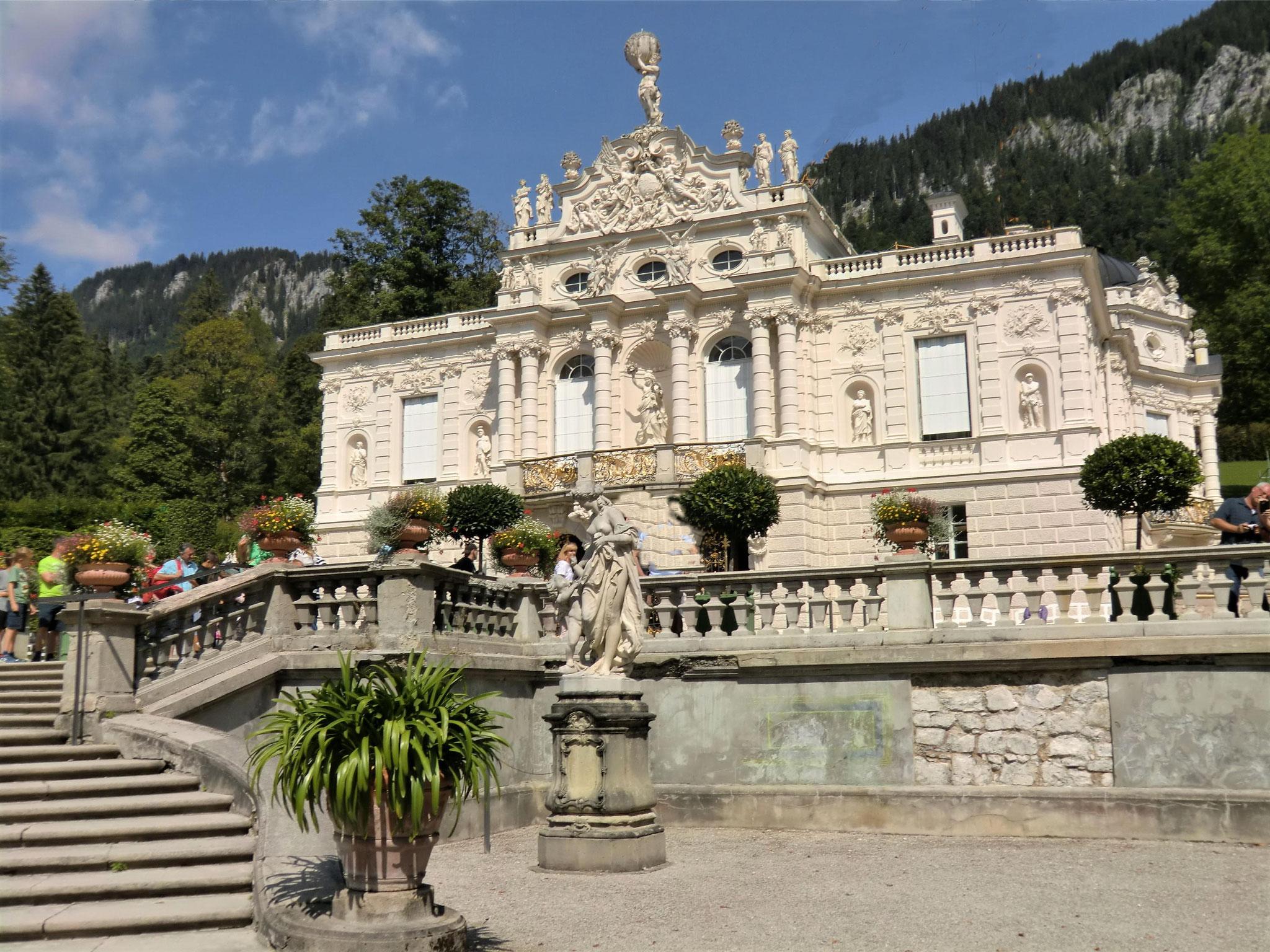 Die königliche Villa des Märchenkönigs Ludwig II