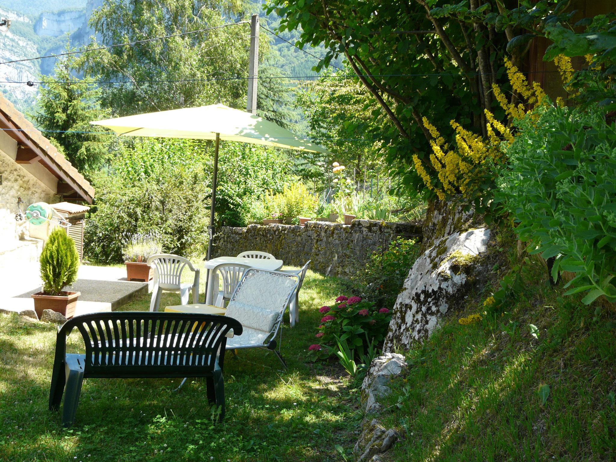 terrasse du gite pour le repos