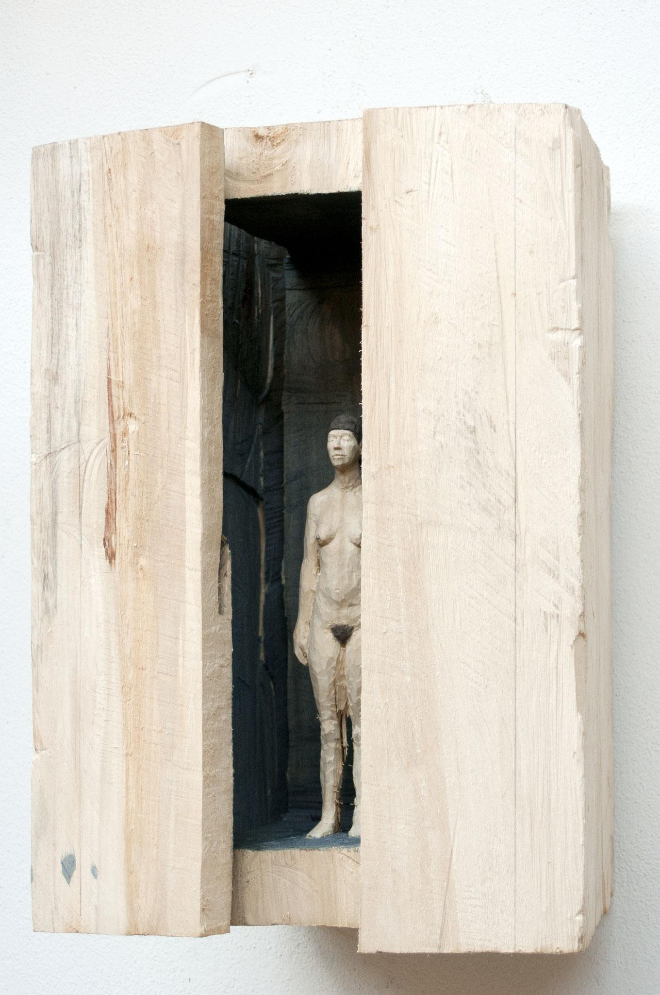Flügelobjekt 2 - nackte Frau, Pappelholz, bemalt, 2017, Privatsammlung