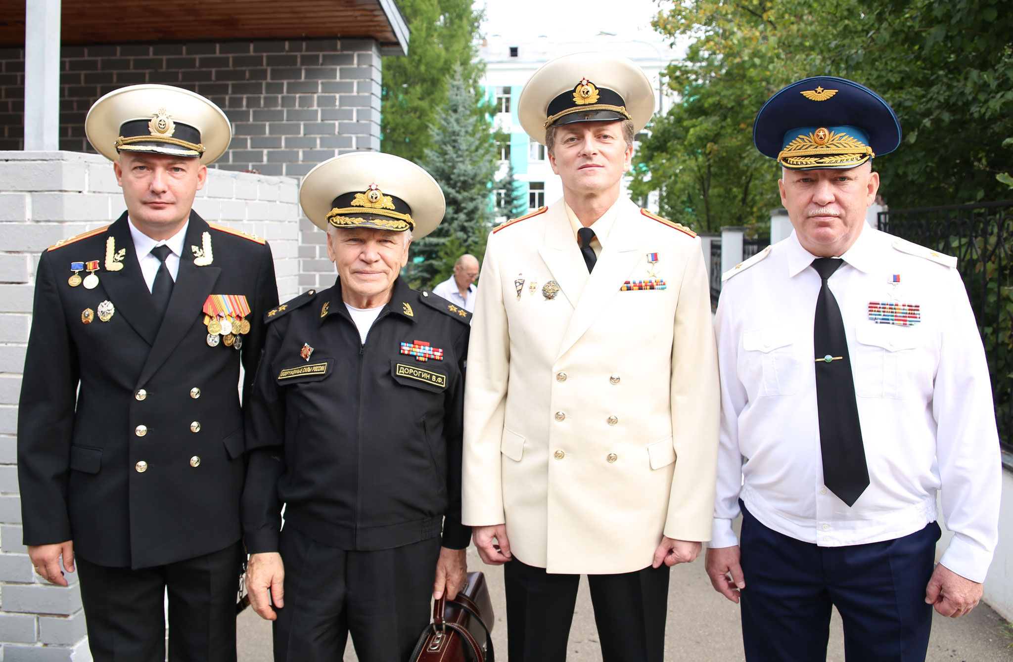 Справа: вице-адмирал Дорогин В.Ф., Герой России полковник Шейко С.С., Герой России генерал-майор Беляев Н.А., Москва, 2018