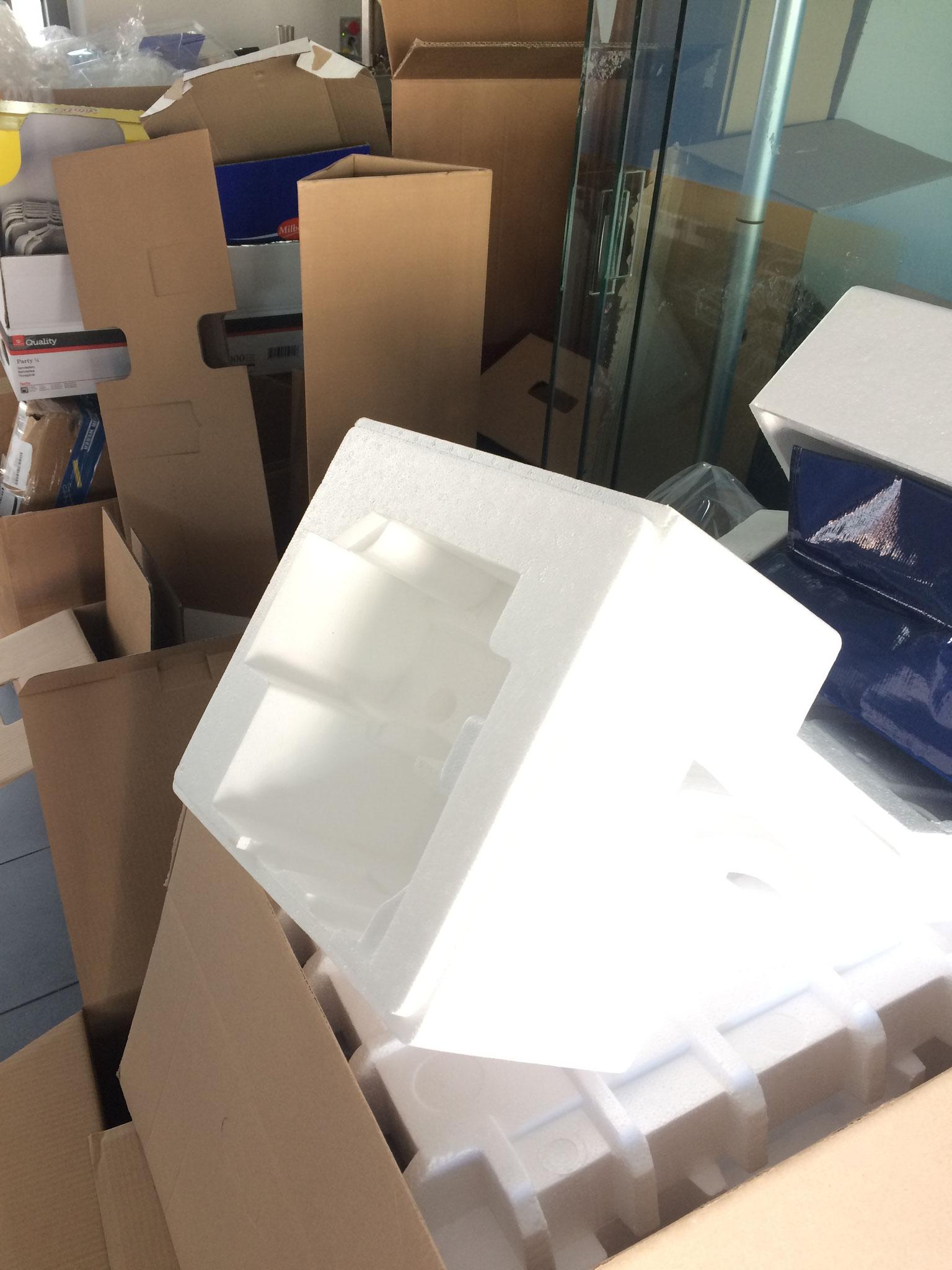 Viele leere Verpackungen