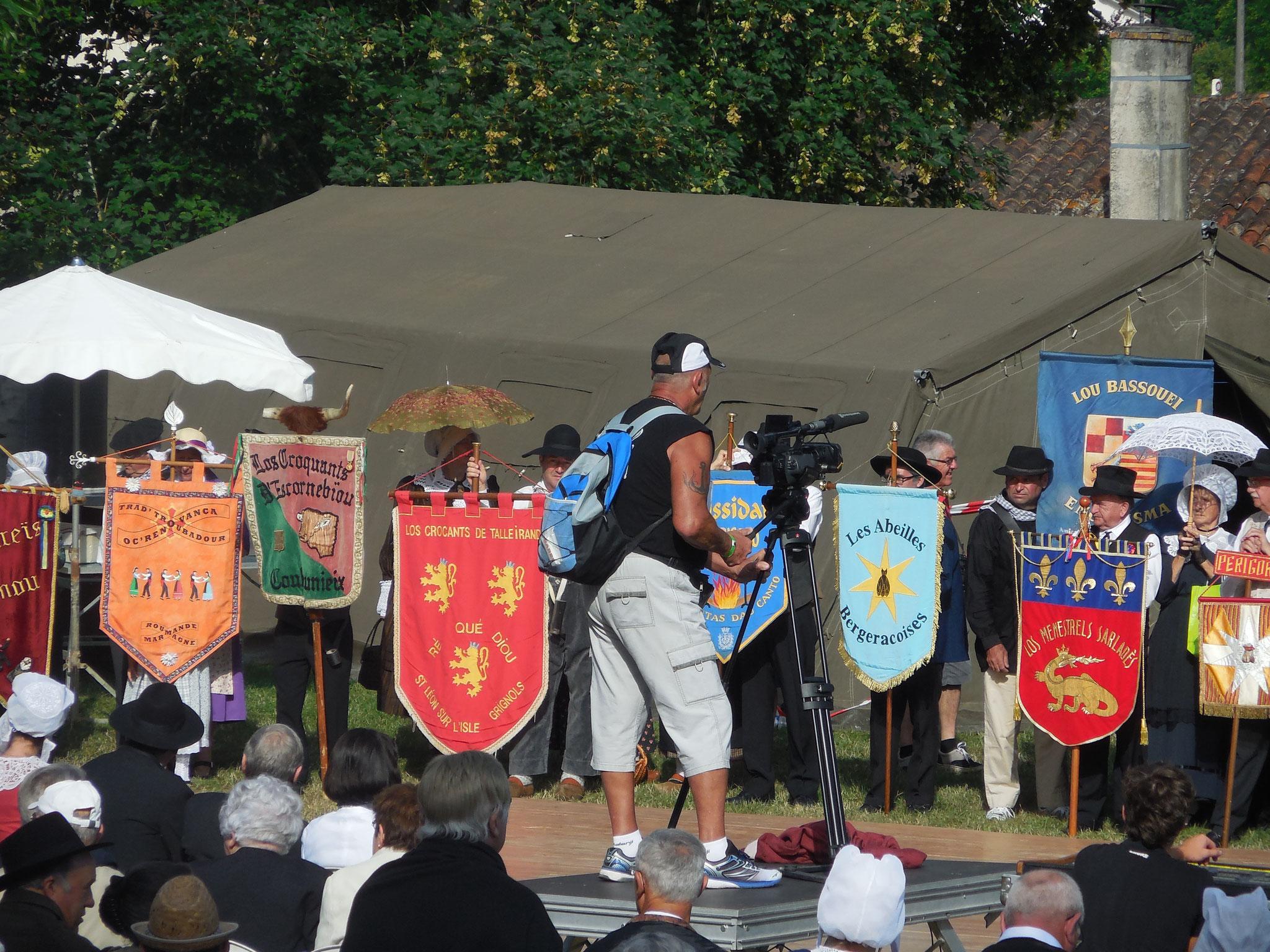 félibreefête de l'occitanie en  dordogne événement culture découverte occitan culture régionale groupe folklorique les ménestrels sarladais