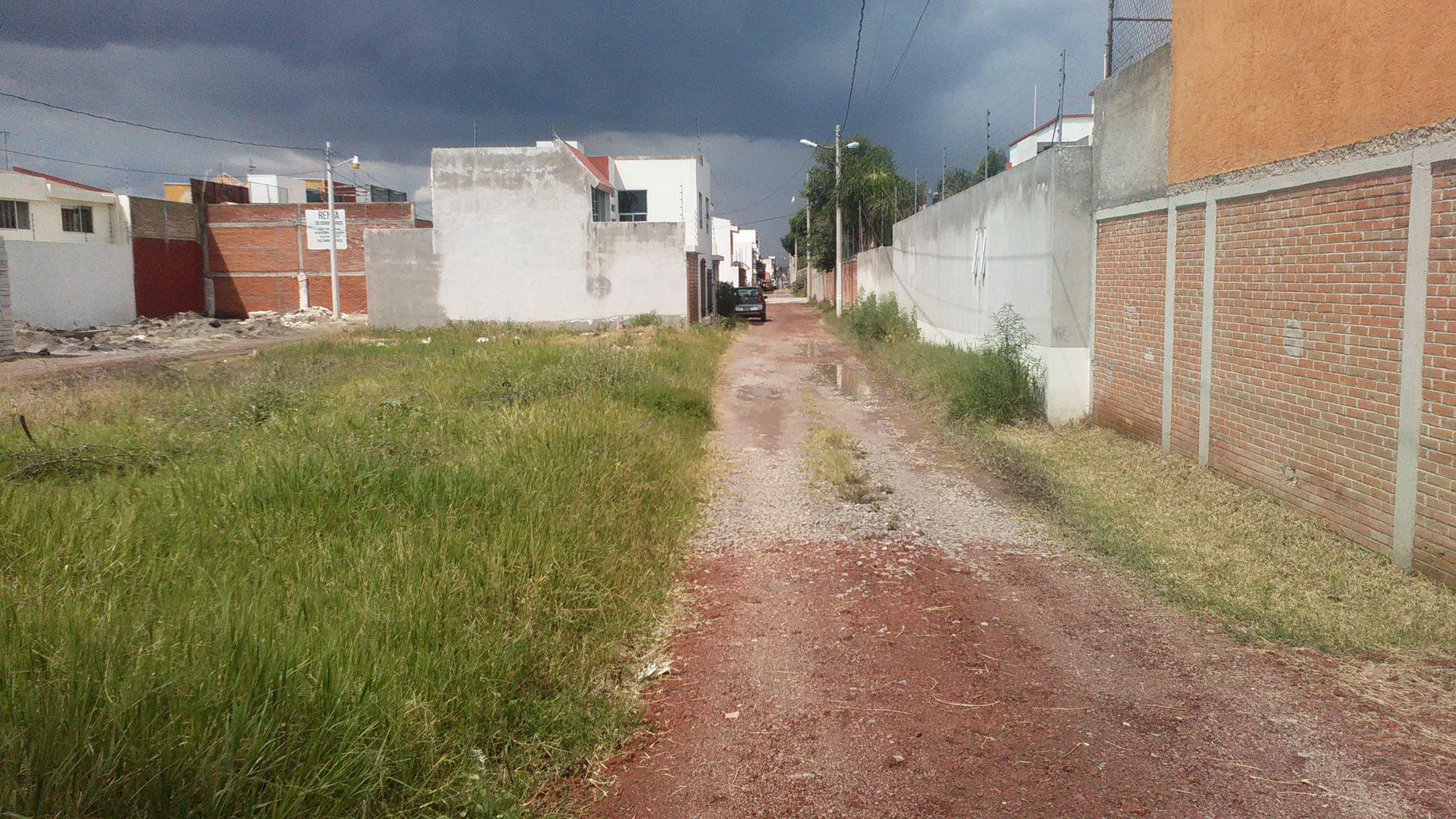 Terreno residencial en Morillotla San Andrés Cholula ideal para desarrollar dos a tres casas en régimen de condominio. Para ver en galería pulsa en la cruz.