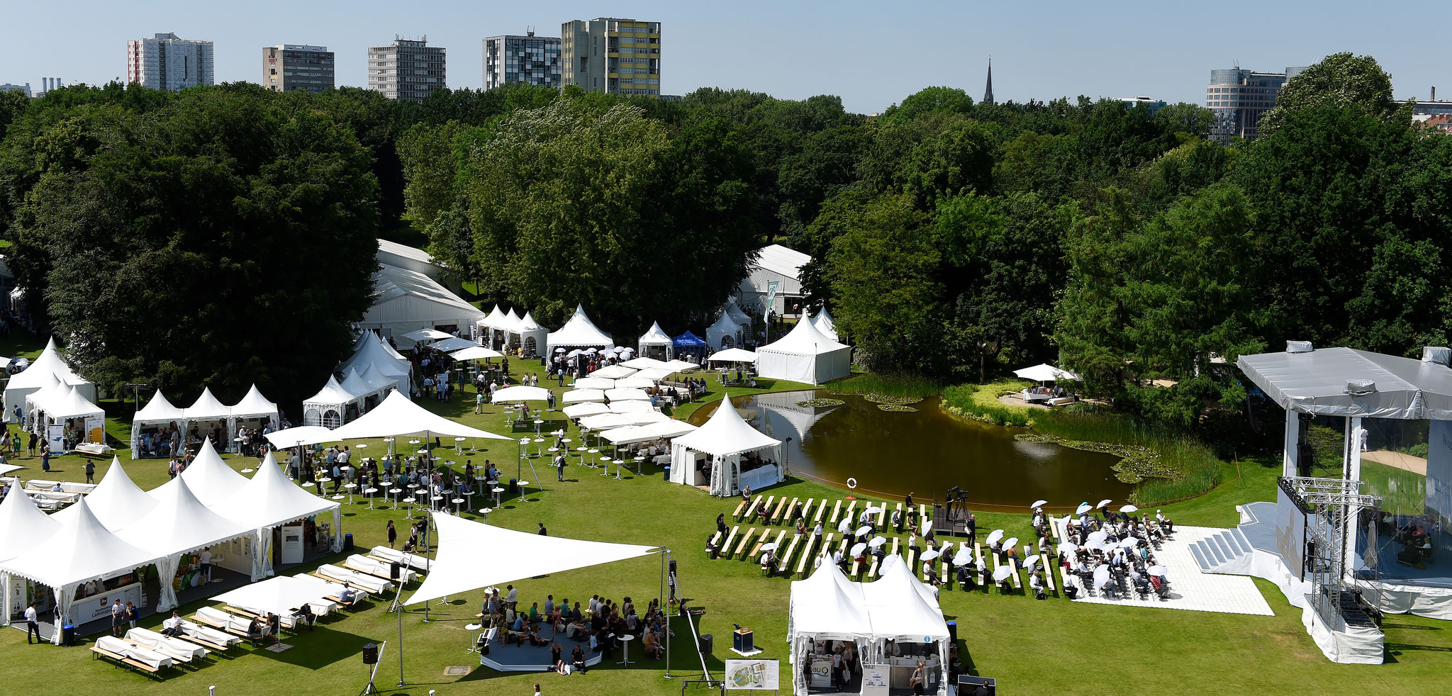 Am 7. und 8. Juni lud Bundespräsident Gauck zusammen mit der Deutschen Bundesstiftung Umwelt zur Woche der Umwelt 2016 in den Park von Schloss Bellevue. Foto: DBU Archiv, P. Himsel