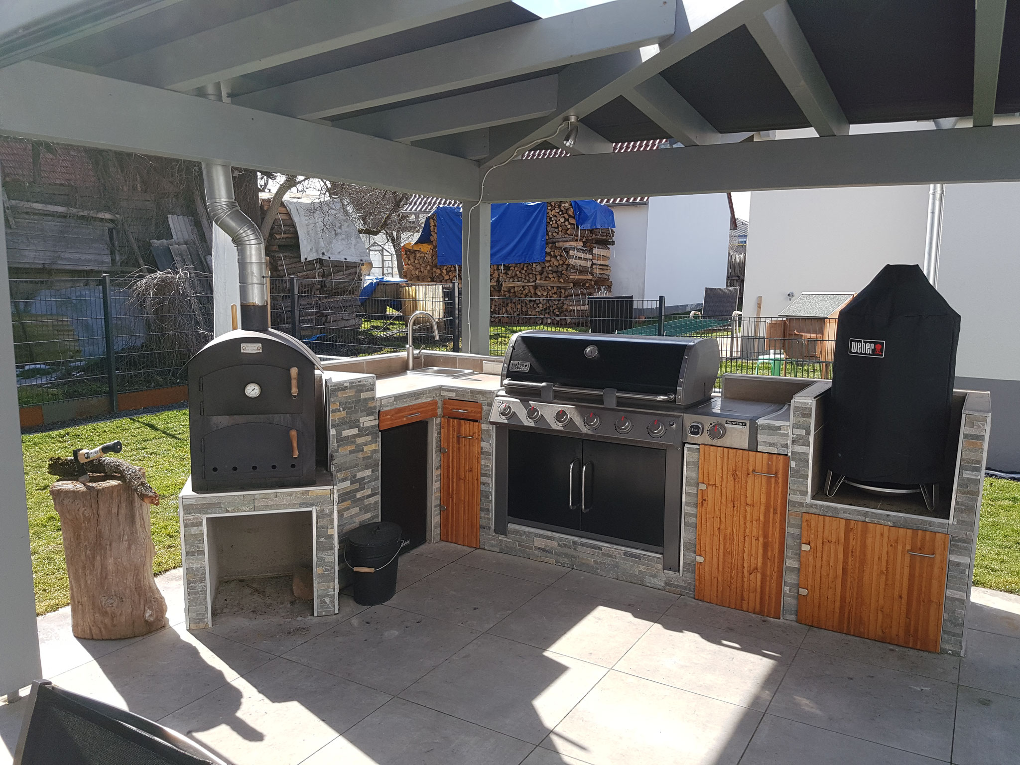 Outdoor Küche Mit Weber Spirit : Outdoorküche mit weber grill folge weber´s drehspieß körbe im