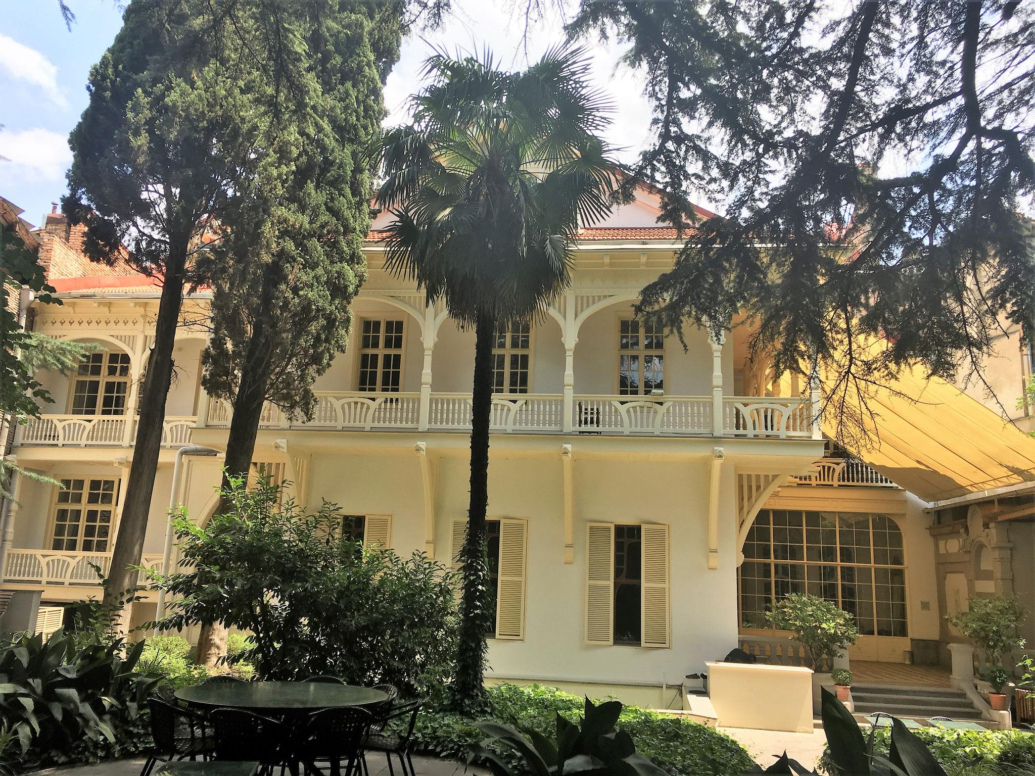 Cafe Literal in Tiflis