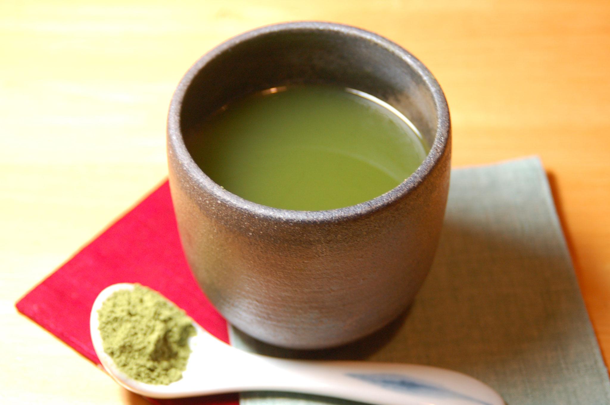 施術後は、お着替えを済ませて頂いた後、美味しい緑茶をお出しします。