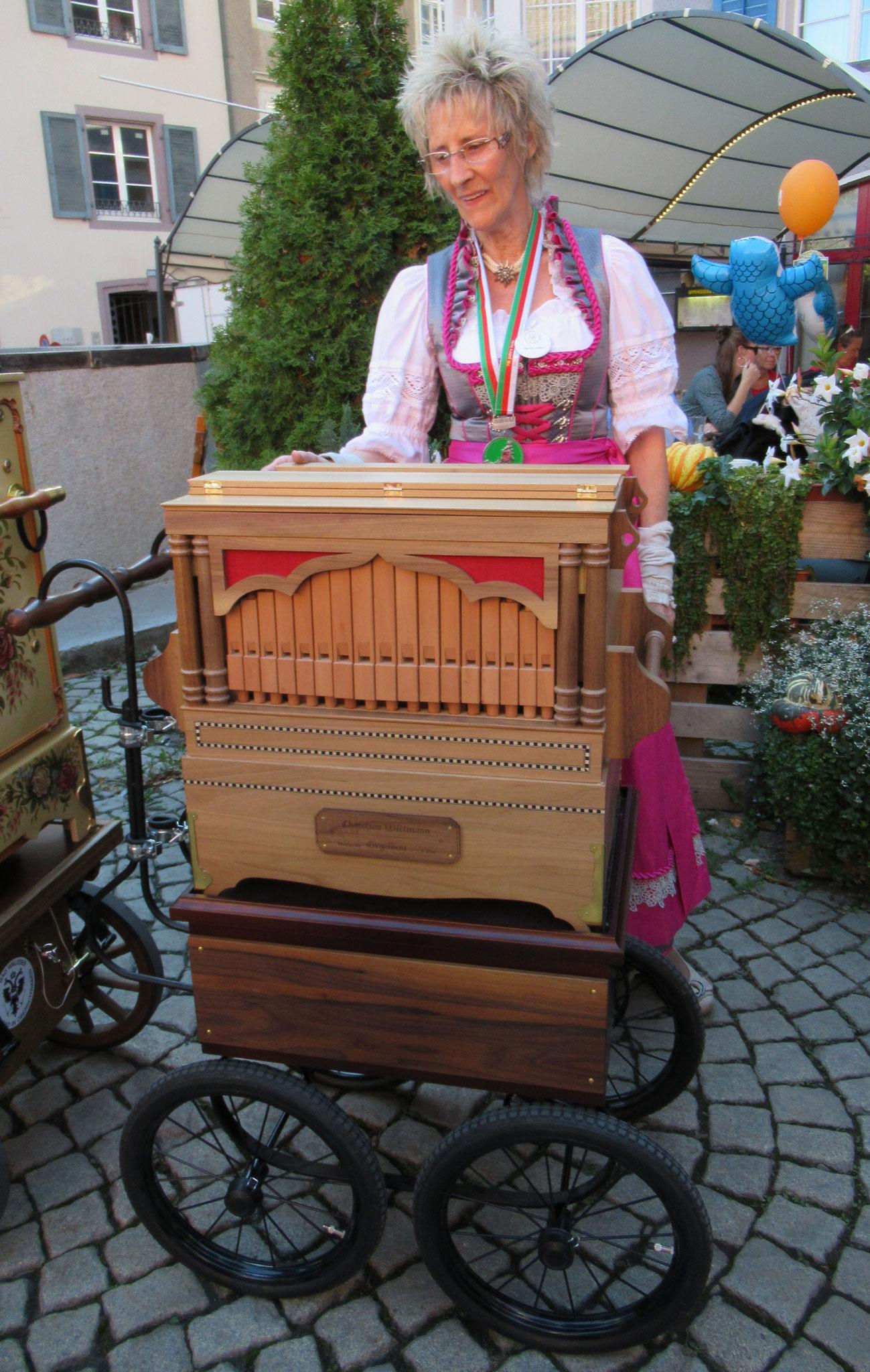 Helen Suter aus Solothurn - Wittmann 31/36