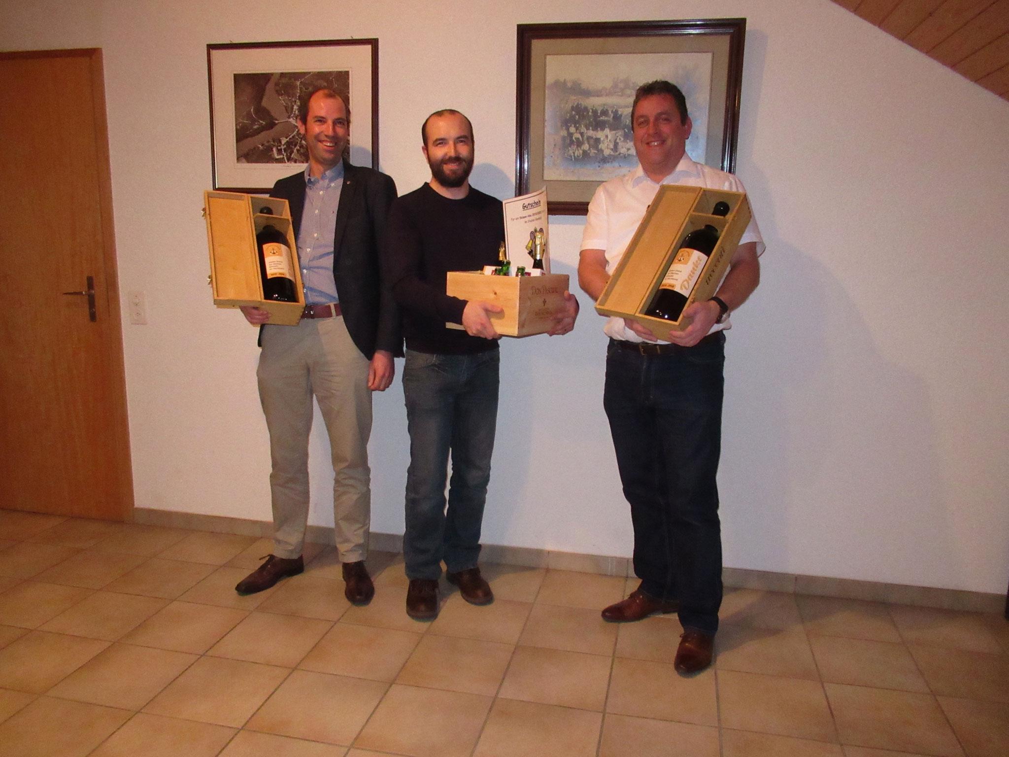 Die aus dem Vorstand verabschiedeten Kameraden: Daniel Bucher, Michel Roos und Martin Bühler.