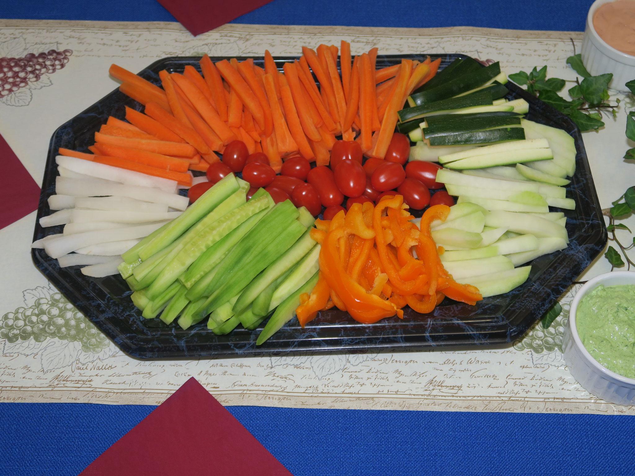 Die Gemüse-Dip mit feinen Saucen finden grossen Anklang.