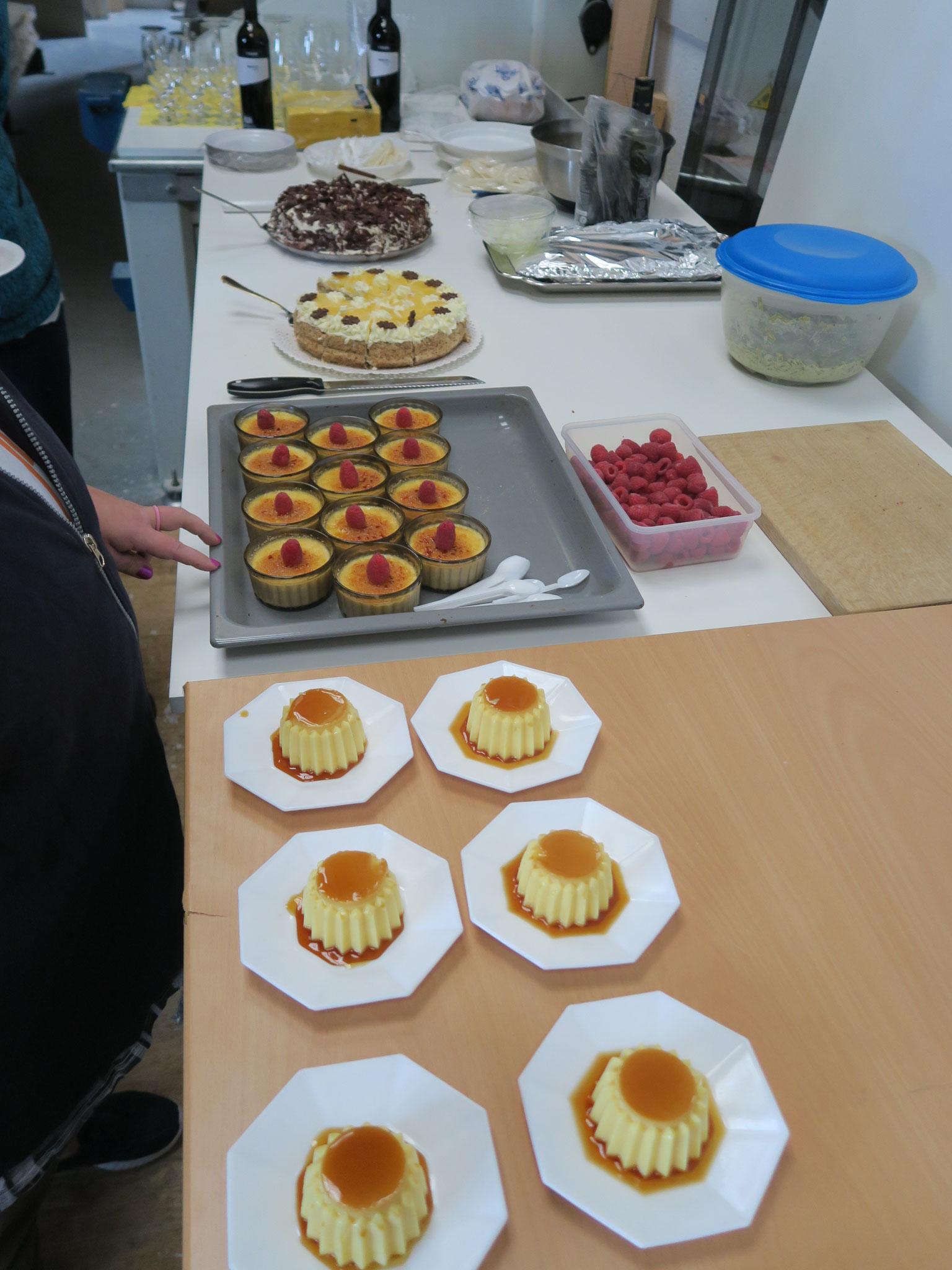Das Dessertbuffet am Schluss der Veranstaltung