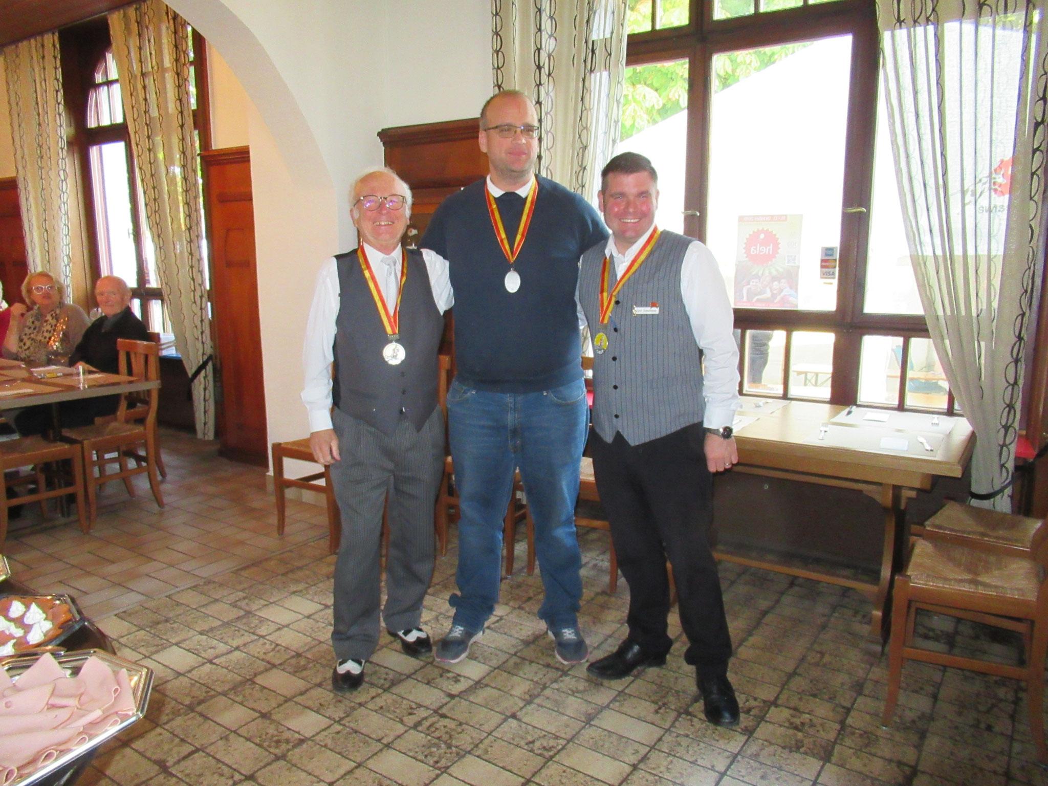 Bruno Leoni, Raffael Blaser und Cyrill Schulhess (v li n re)