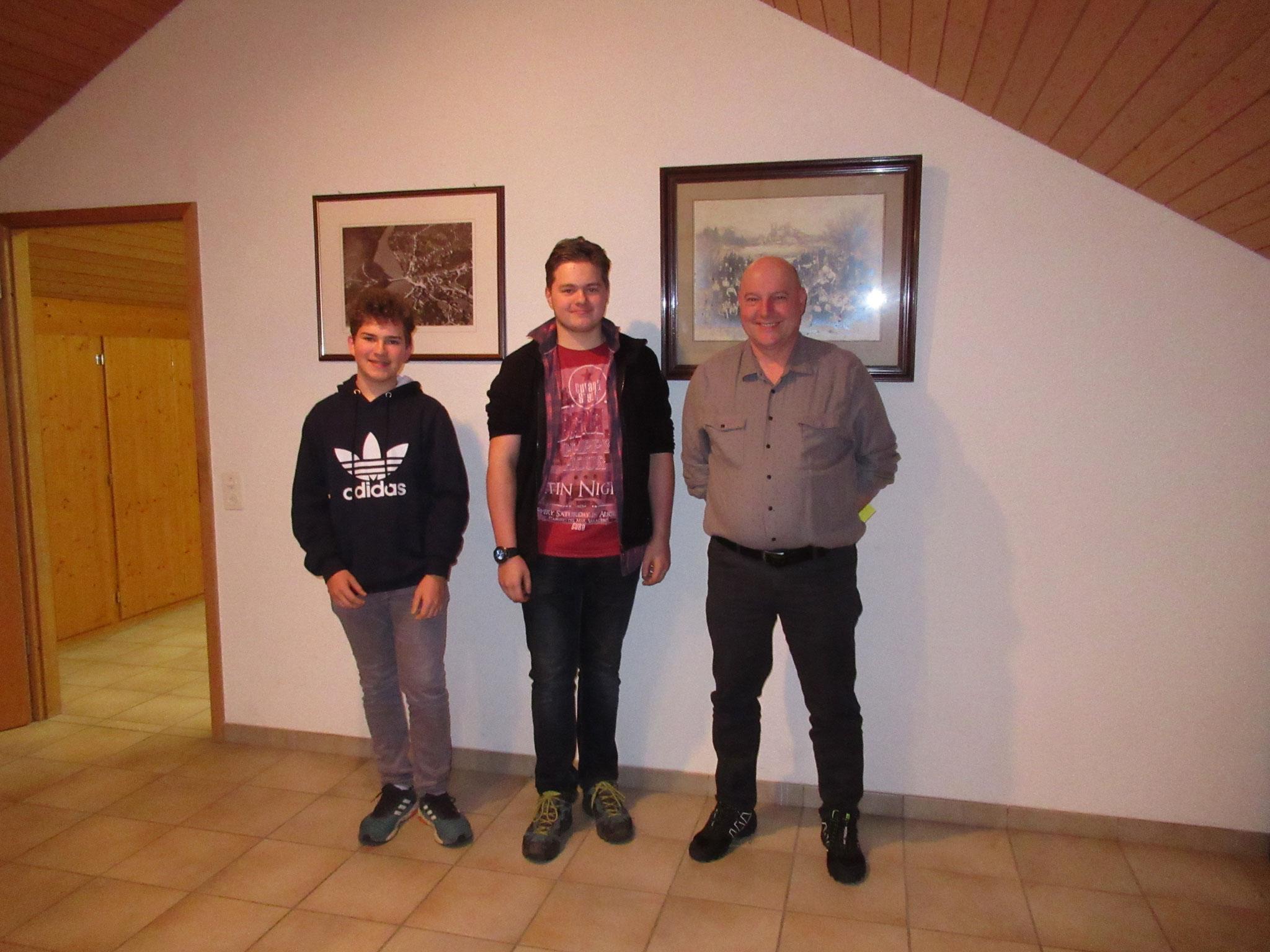 Die neu in in den Verein aufgenommenen Kameraden: Fabian Leuzinger, Eric Zieri und Heinz Roos.