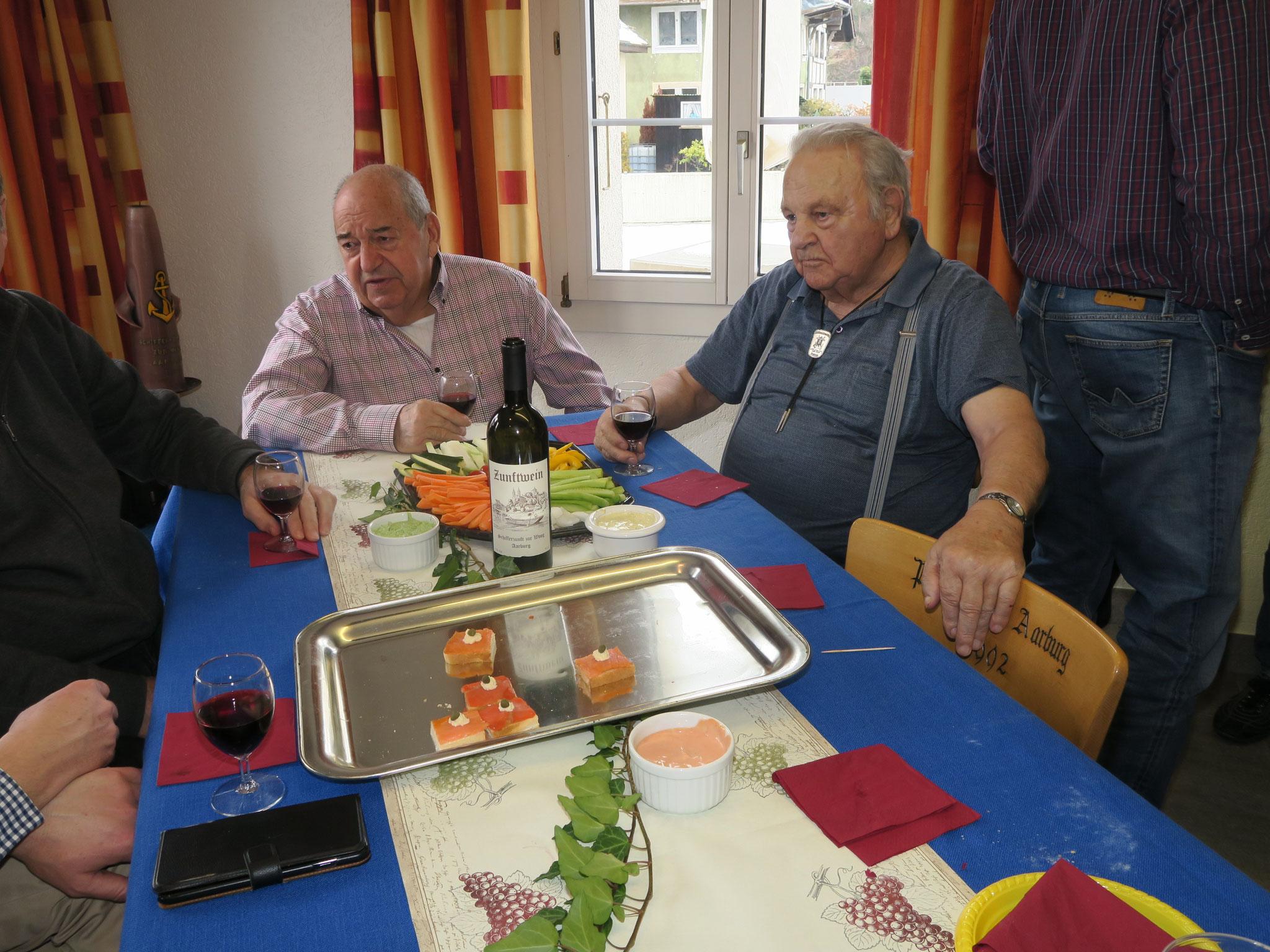Rechts unser ältestes Zunftmitglied Ernst Kull.