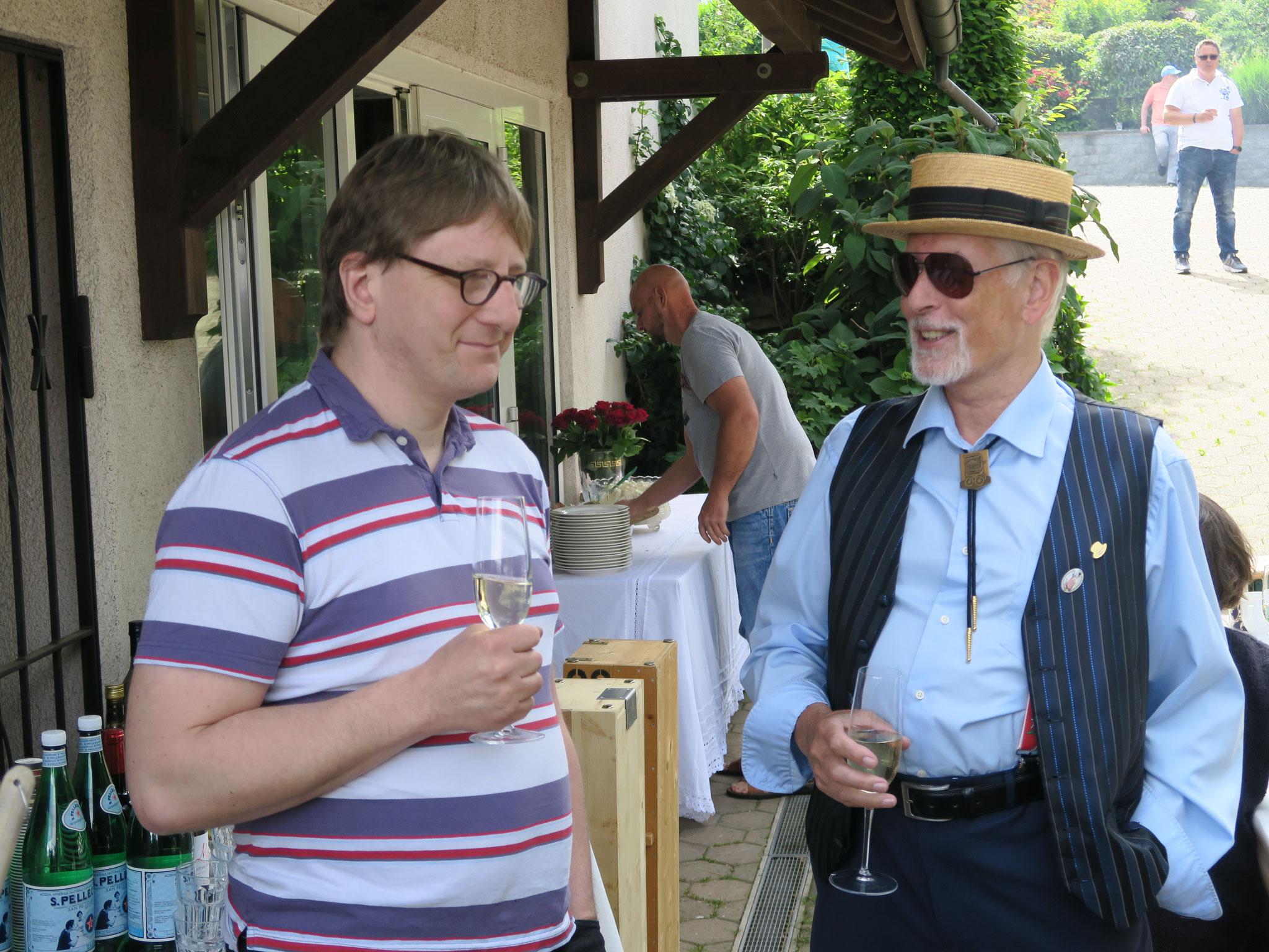 Ein Gespräch unter Fachleuten: Raphael Lüthi und Hans Schmid.