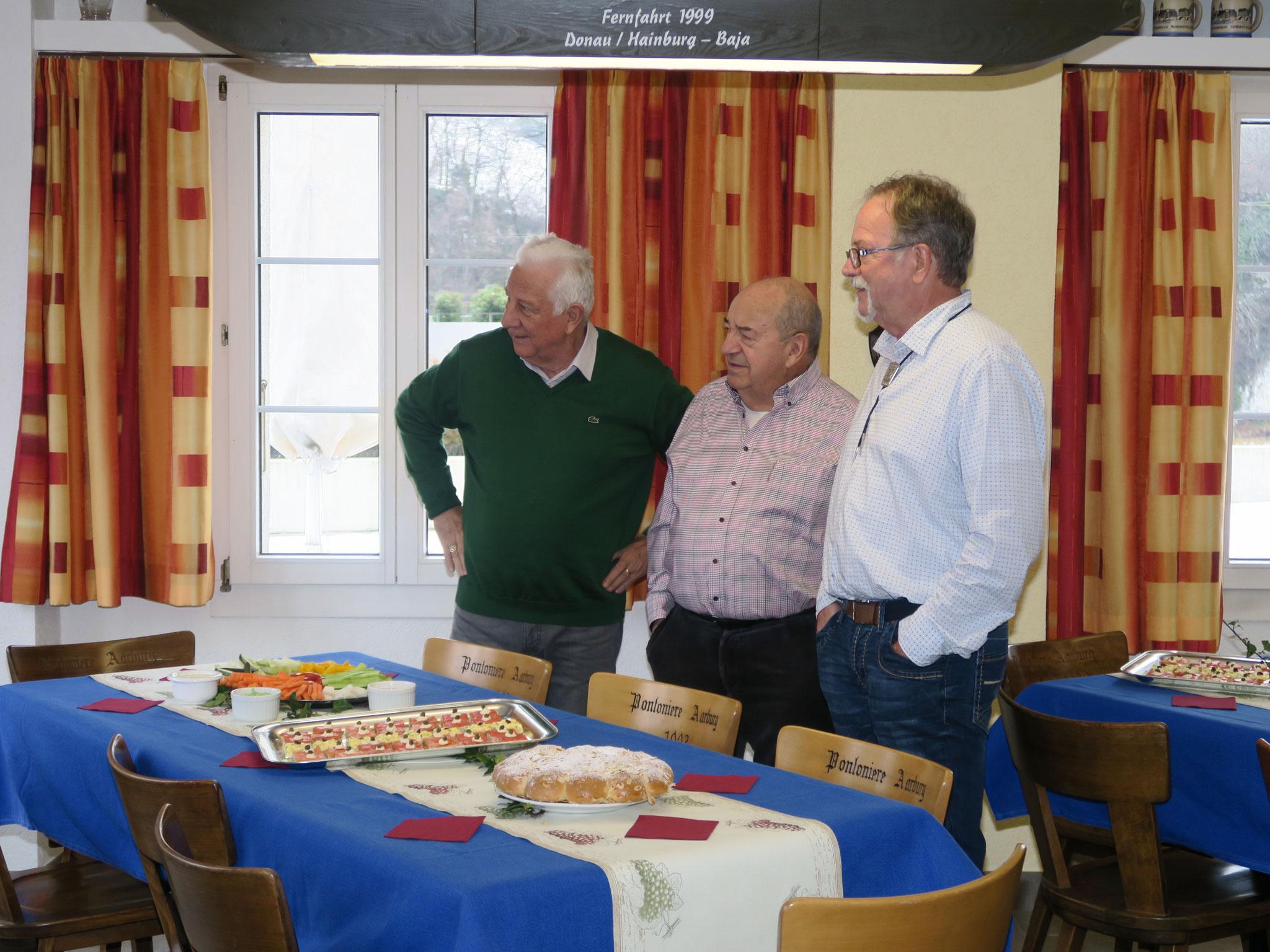 Ehrenfahrchef Ueli Baumann, Ehrenpräsident Ernst Dullinger und Ehrenmitglied Werner Eichenberger