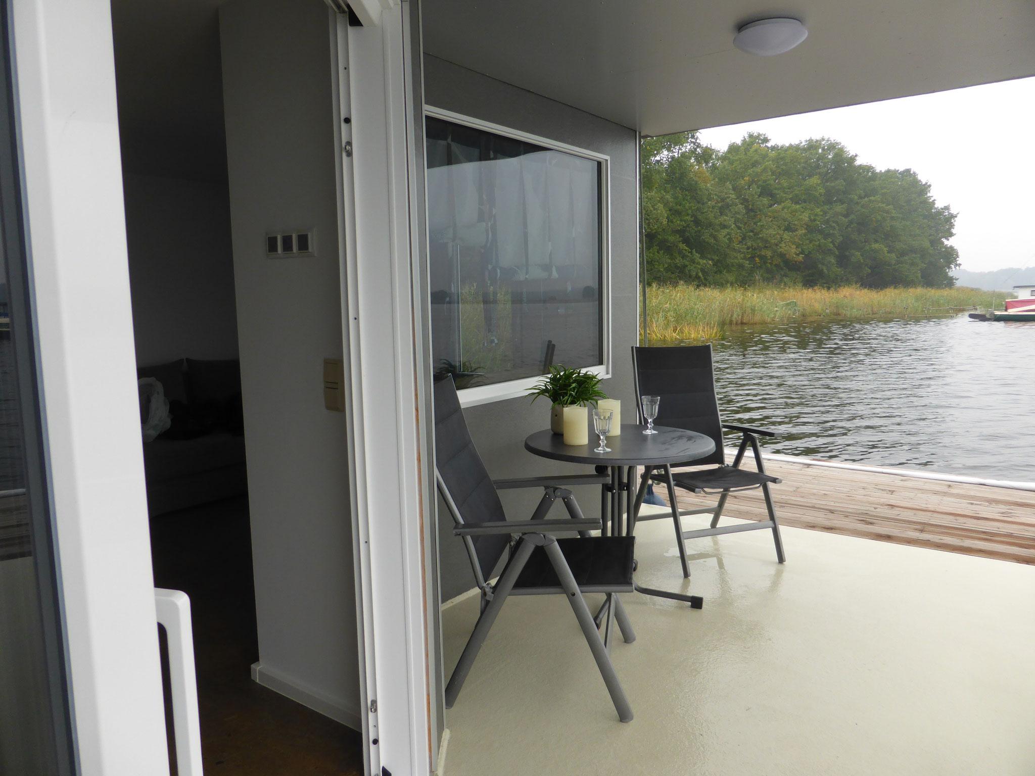 Terrasse, Haus auf dem See
