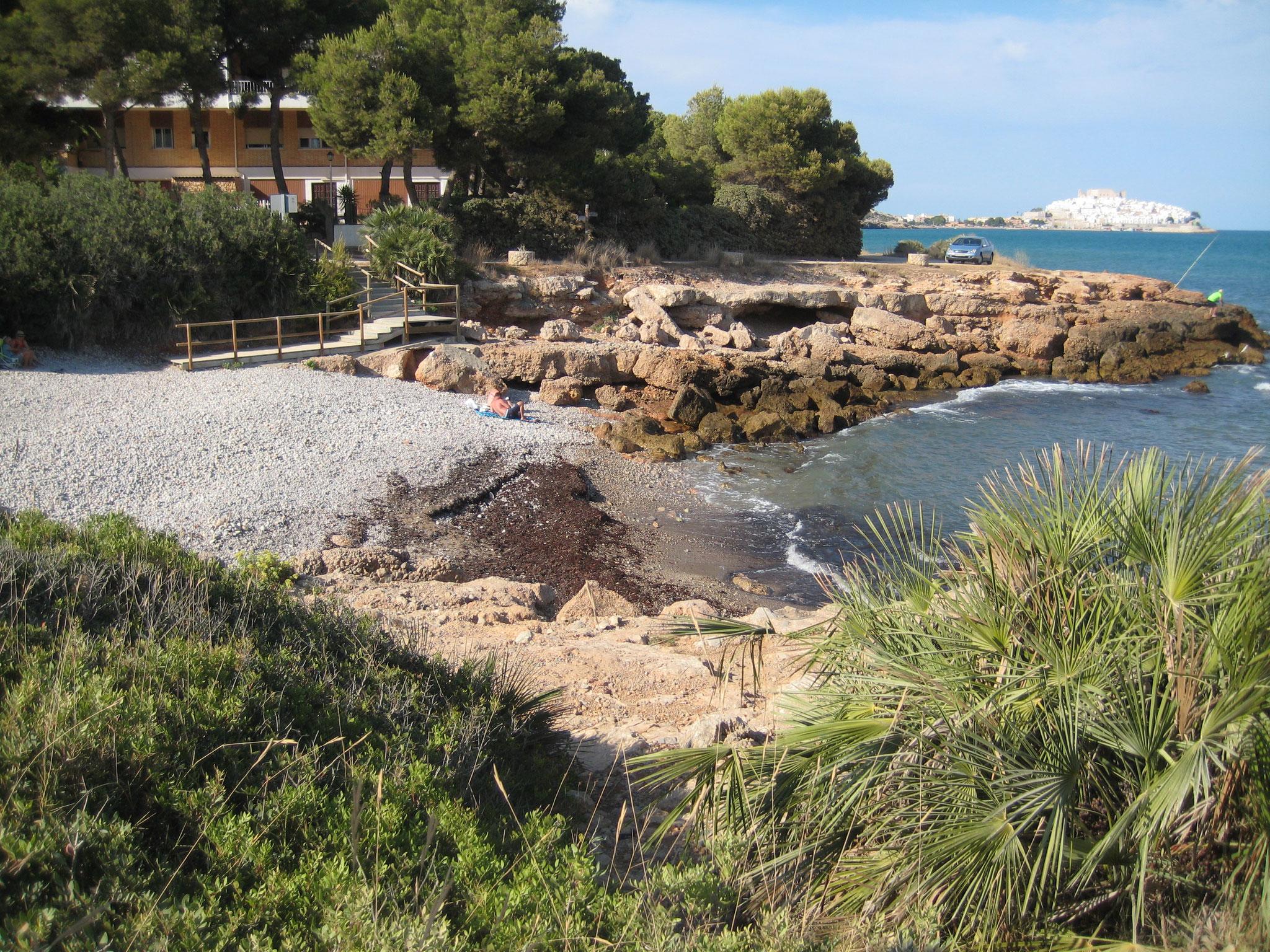 """Cala """"Puerto Azul"""", junto a la urbanización, www.adapeniscola-apartamentos.com"""