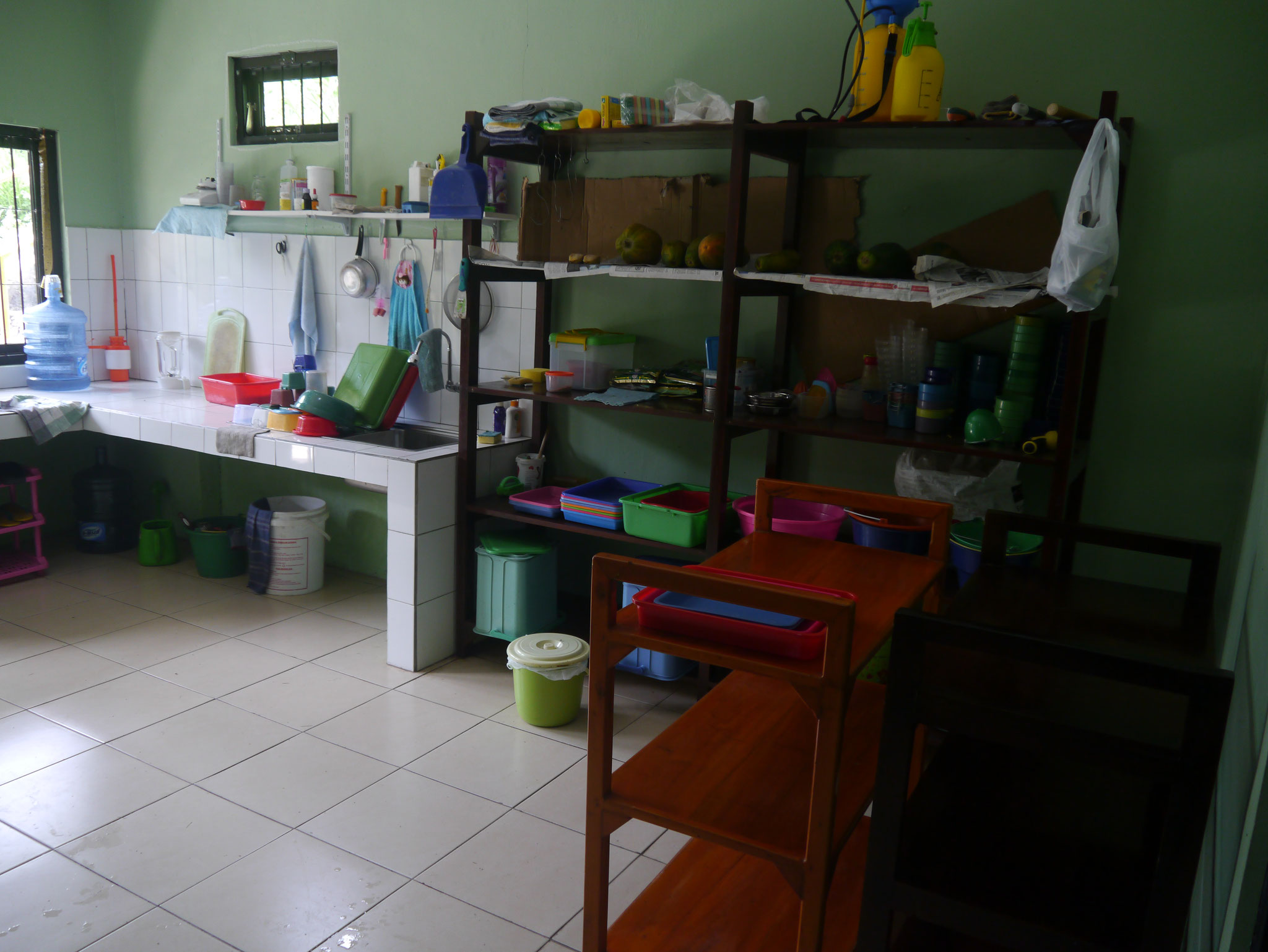 Feeding kitchen