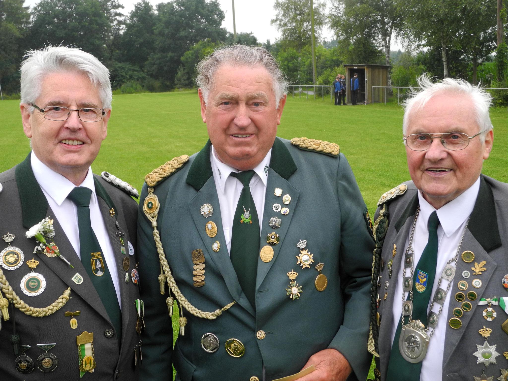 Unter alten Vorstandskameraden. Foto: Bauer