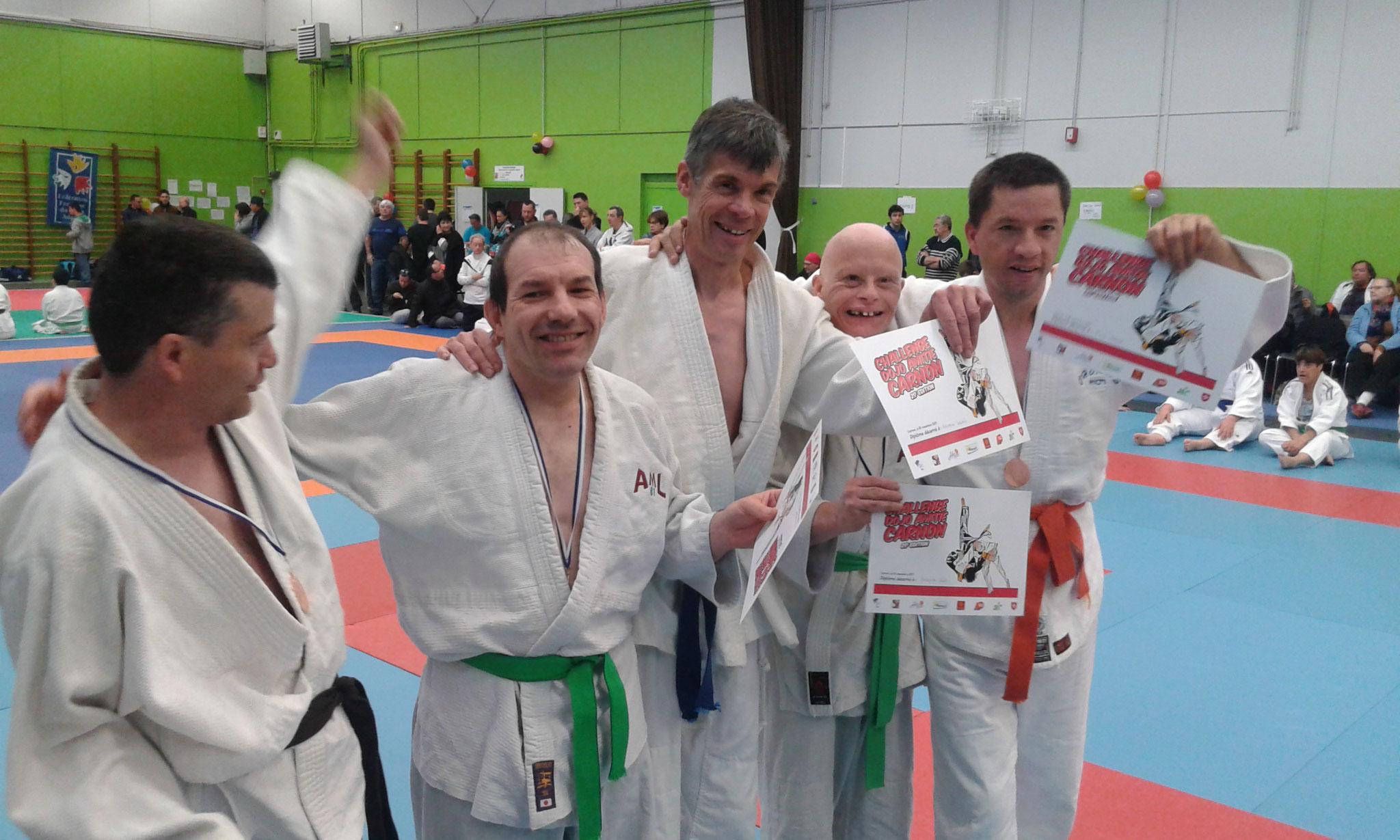 Championnat Interrégional Judo Occitanie,Laurent avec son équipe de compétiteurs