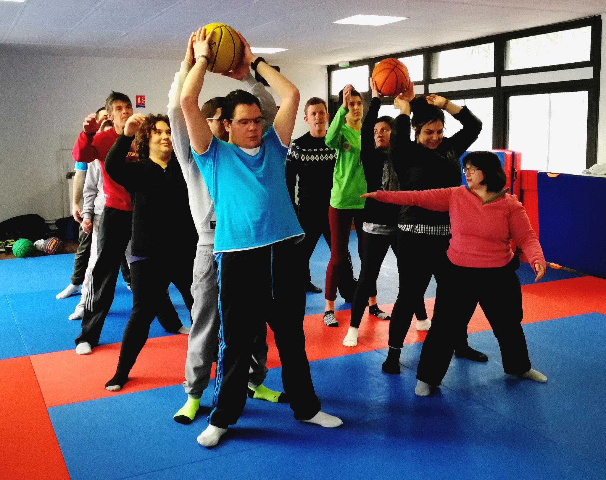 """Sport avec nos copains du lycée Joan Miro  """"éréa"""" de Perpignan"""