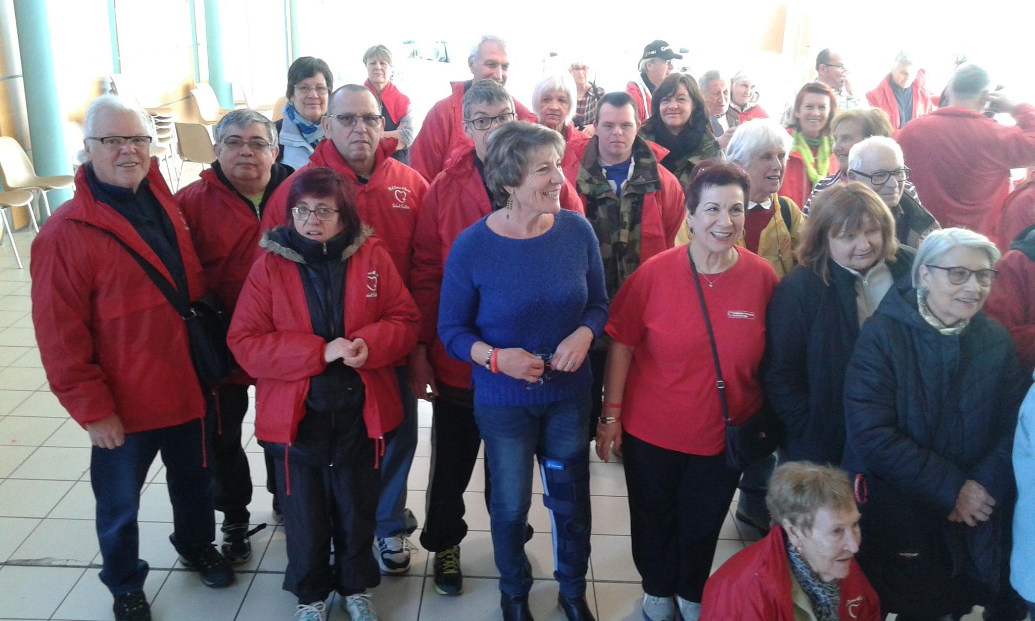 Marche avec le club coeur et santé de St Estèe.Les participants.
