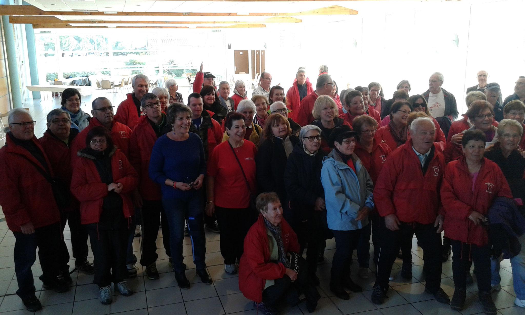 Les participants.Marche avec le club coeur et santé de St Estève.