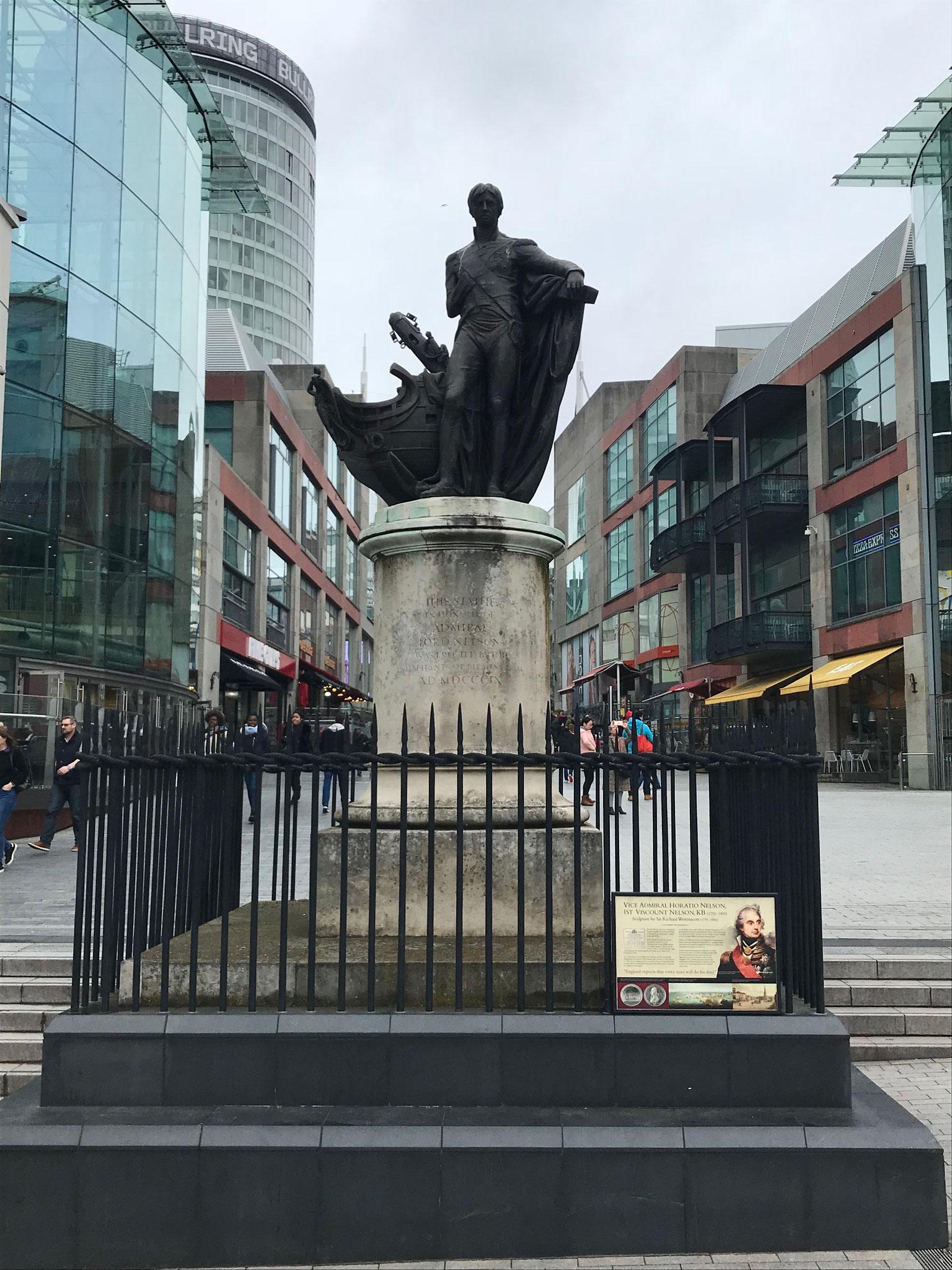 Lord Nelson-Denkmal am Bullring (Einkaufsstraße)