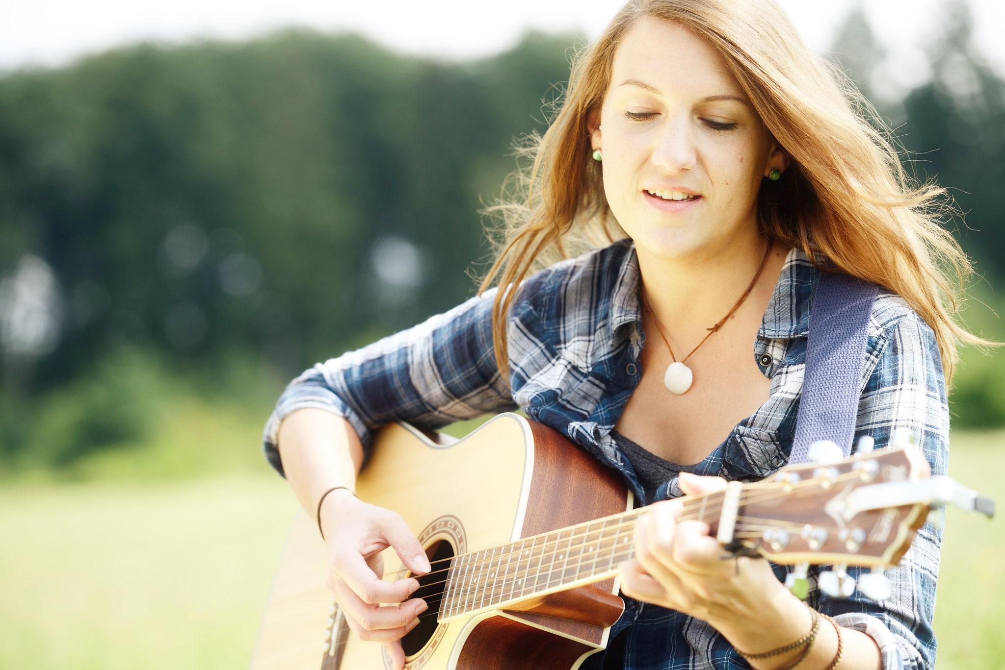 Isabell Gautschy, Singer Songwriter