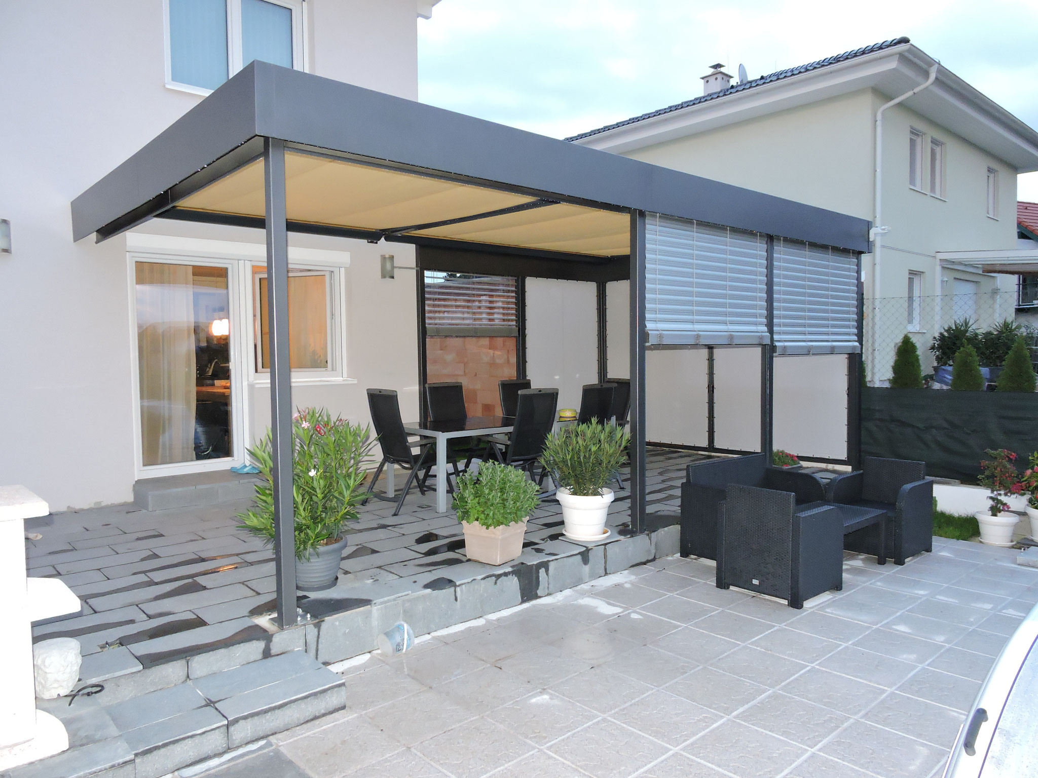 screenroom pergola sterreich oder pergo line mit stoff beschattung sowie faltd cher screenroom. Black Bedroom Furniture Sets. Home Design Ideas