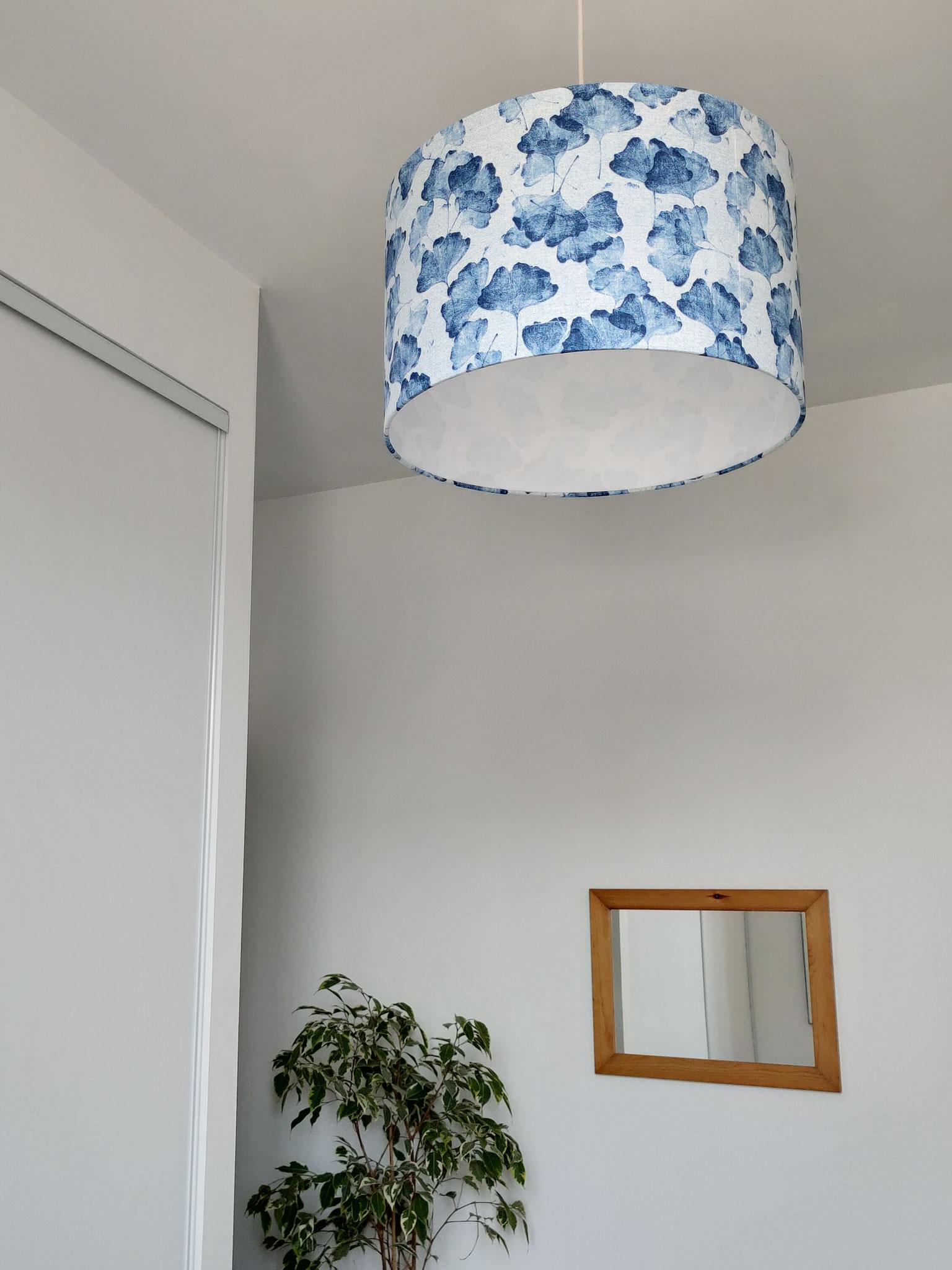 Abat-jour Gingko Bleu dans une chambre