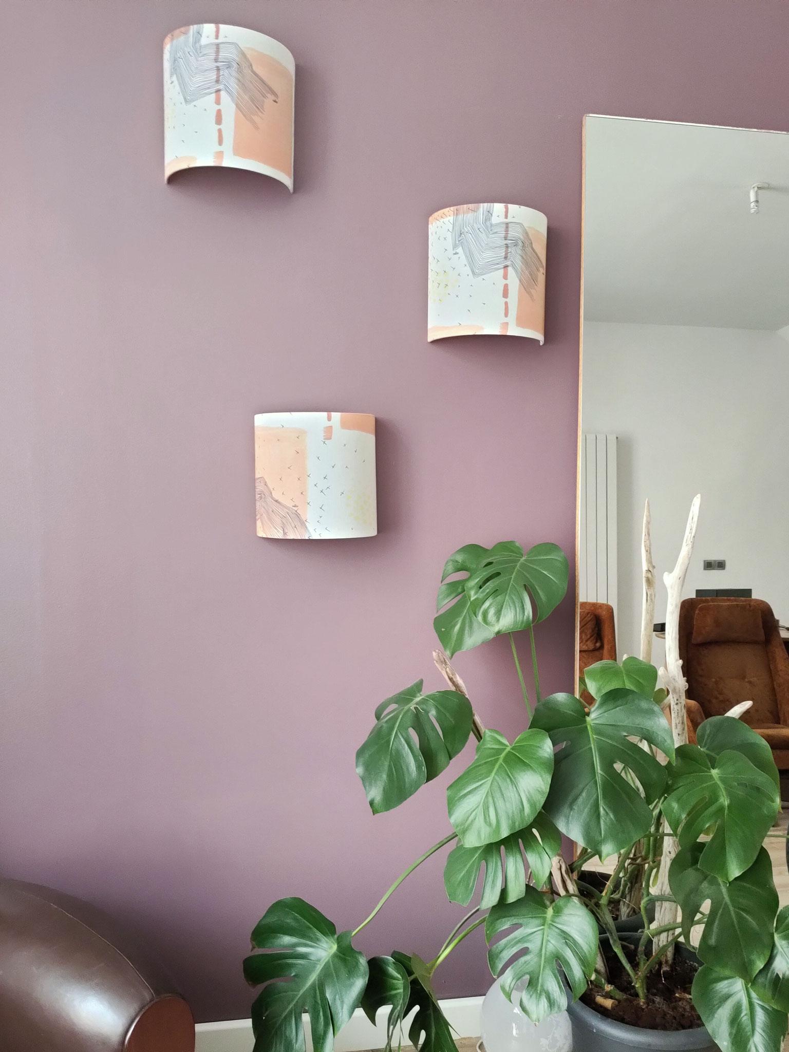 Applique murale M Strate dans un salon