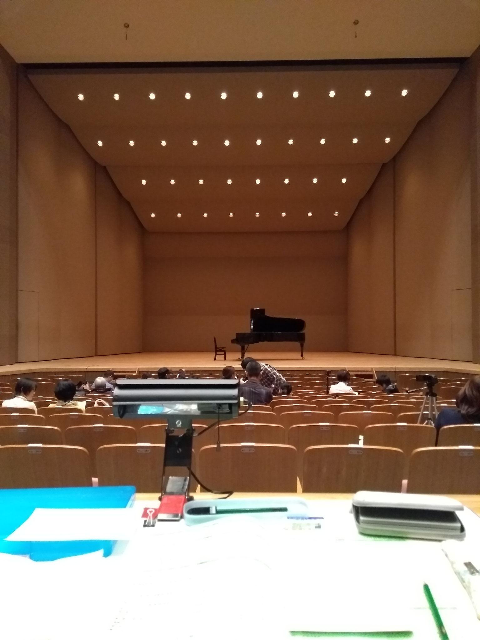 ヤマハジュニアピアノコンクールの審査で、70名の若きピアニストの熱演を聴かせていただきました。レベルの高さに圧倒されました!(滋賀・わたむきホール2019年12月)
