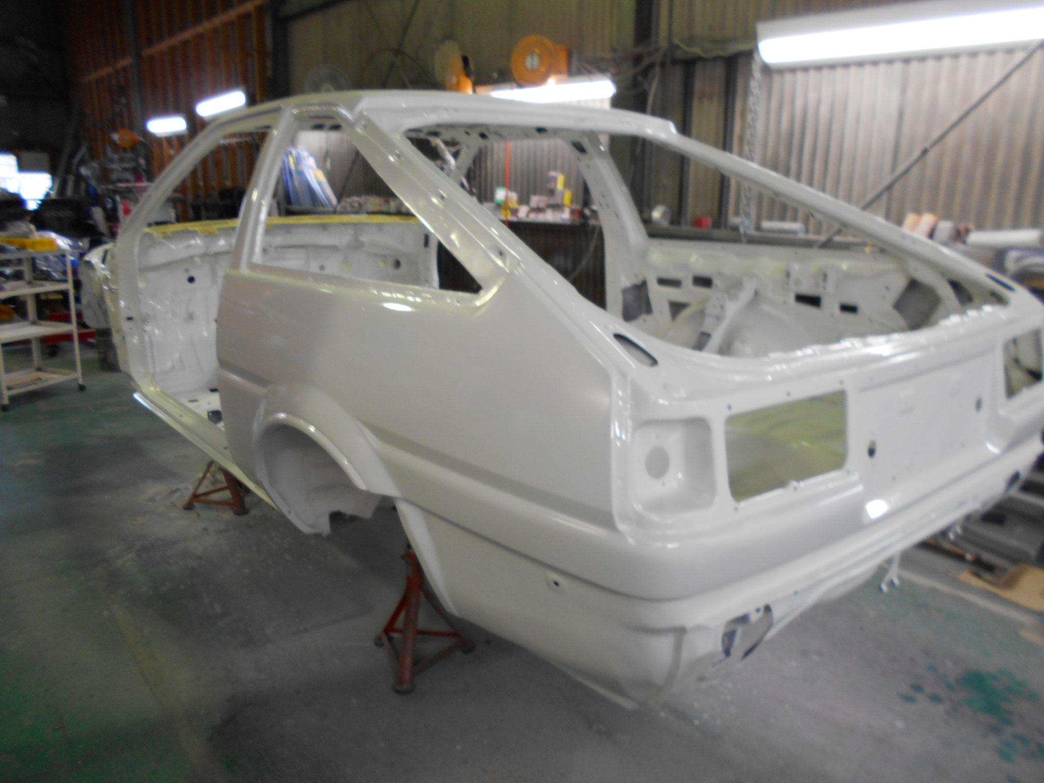 AE86トレノ ホワイトボディ