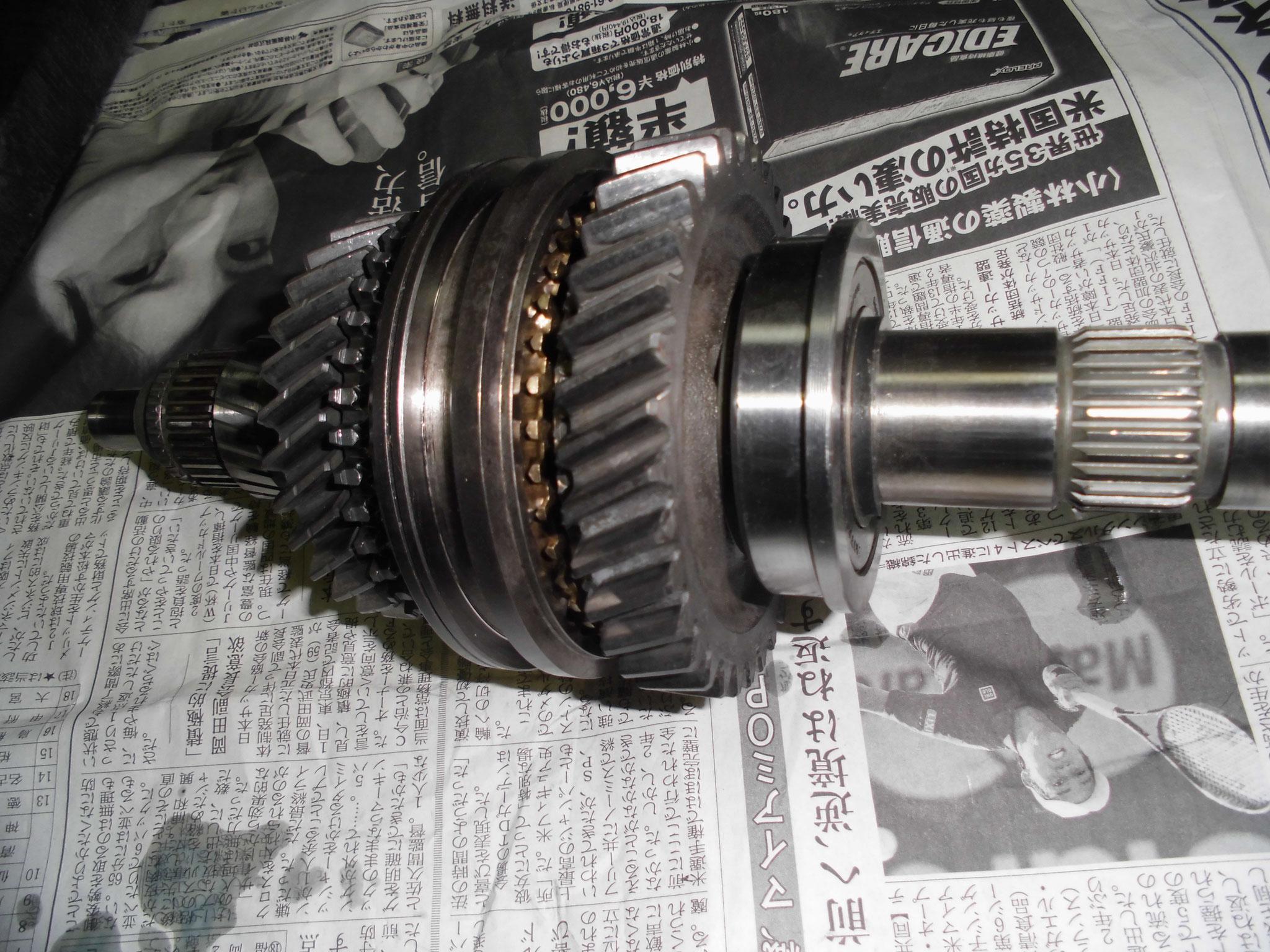 AE86 1-2速ギヤ組付け
