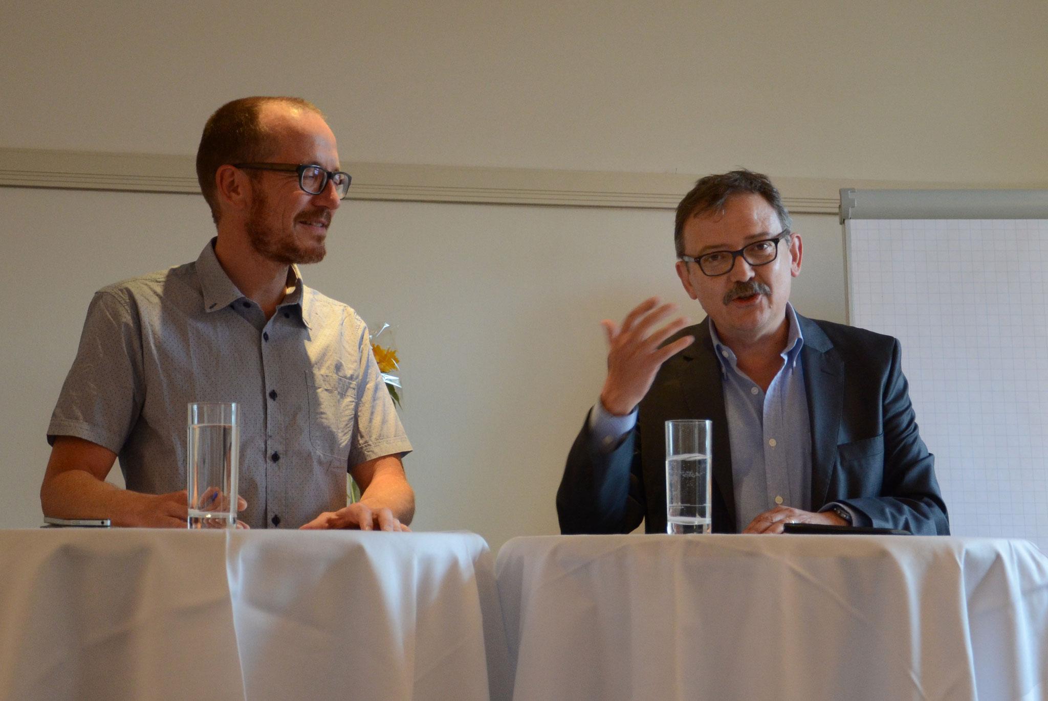 Urs Schlatter im Gespräch mit MAZ-Direktor Diego Yanez.
