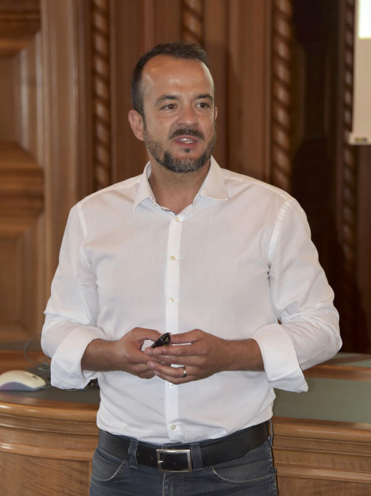 Serkan Isik, Mediensprecher der Suva, begrüsste den ZVM.