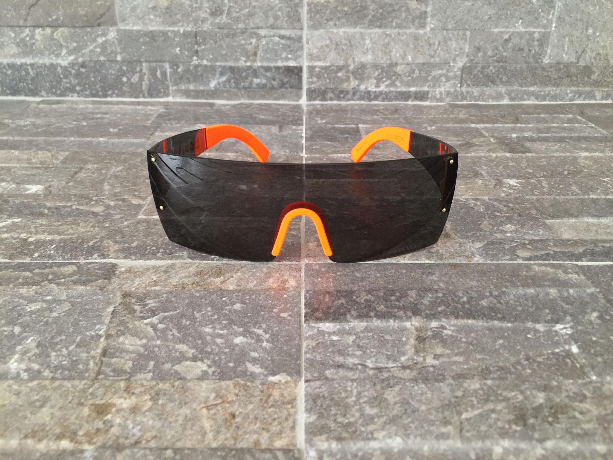 2165d752767 Louis Vuitton Graffiti Frame Sonnenbrille in Orange - Ankauf   Verkauf  Second Hand Designertaschen und Accessoires